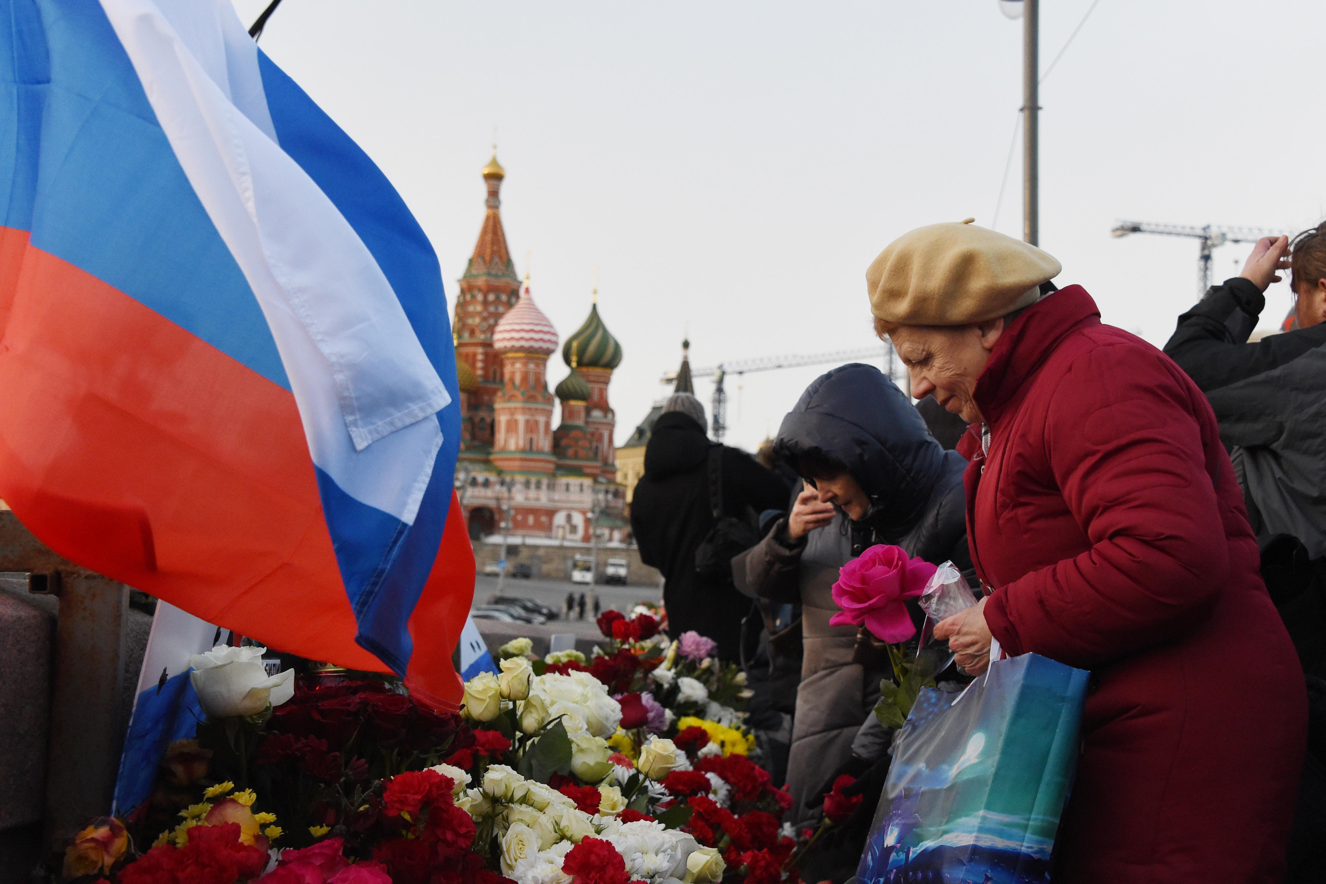 Ezrek emlékeztek Borisz Nyemcovra Moszkvában