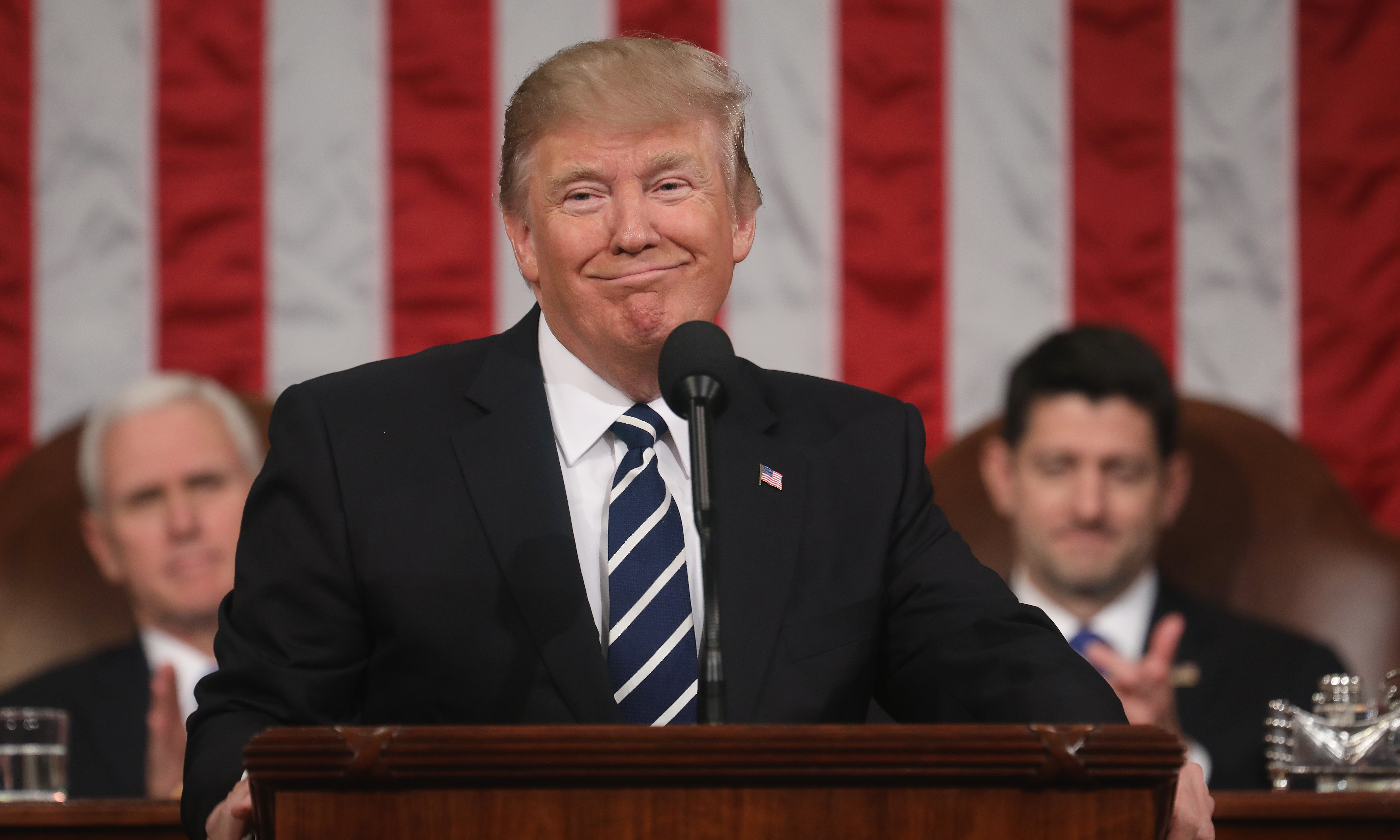 """A Ku-Klux-Klan volt vezetője megköszönte Trumpnak, hogy """"elítélte a baloldali terroristákat"""""""