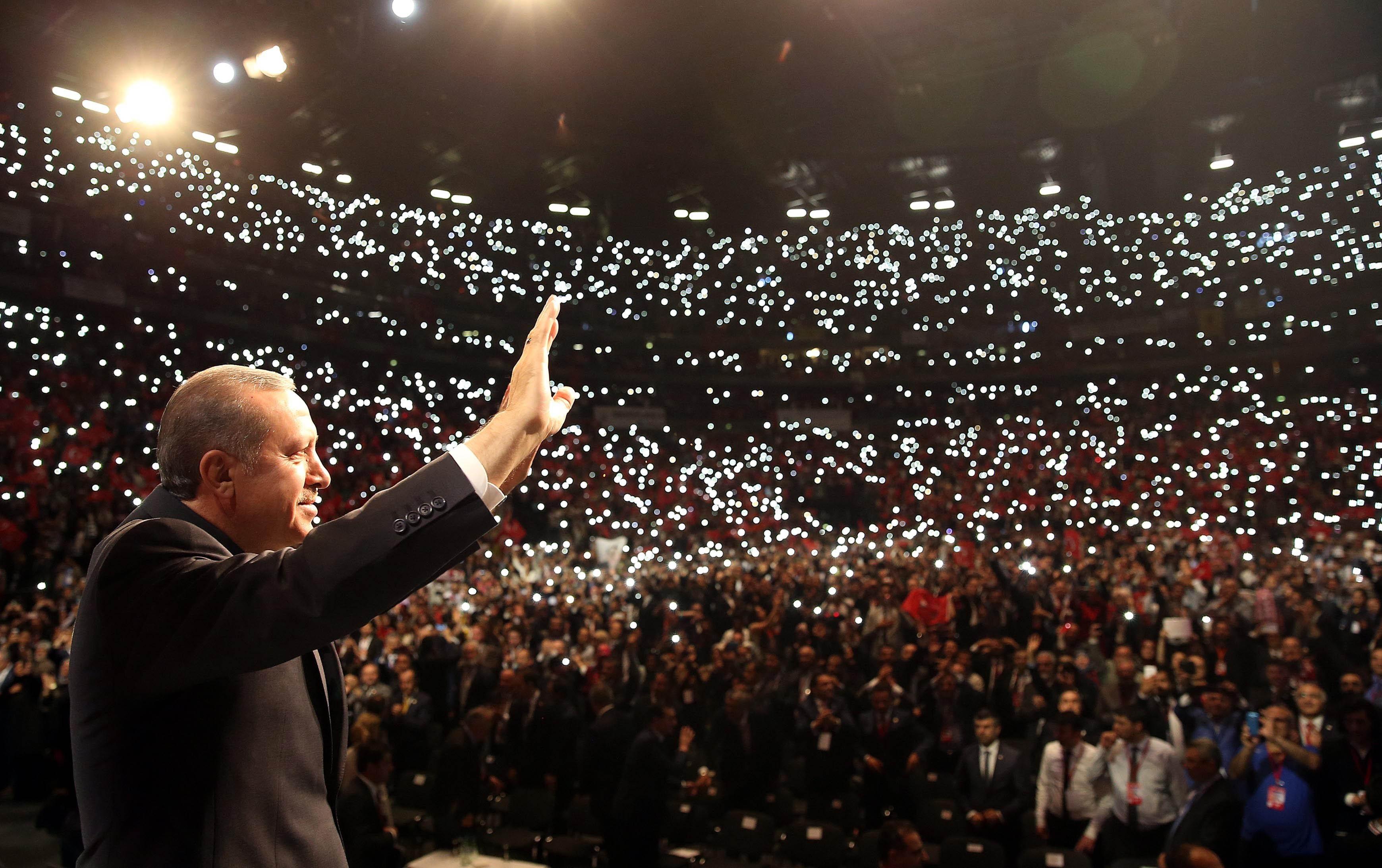Nem engednék, hogy Erdogan Németországban kampányoljon, miután a török hatóságok letartóztatták a Welt tudósítóját