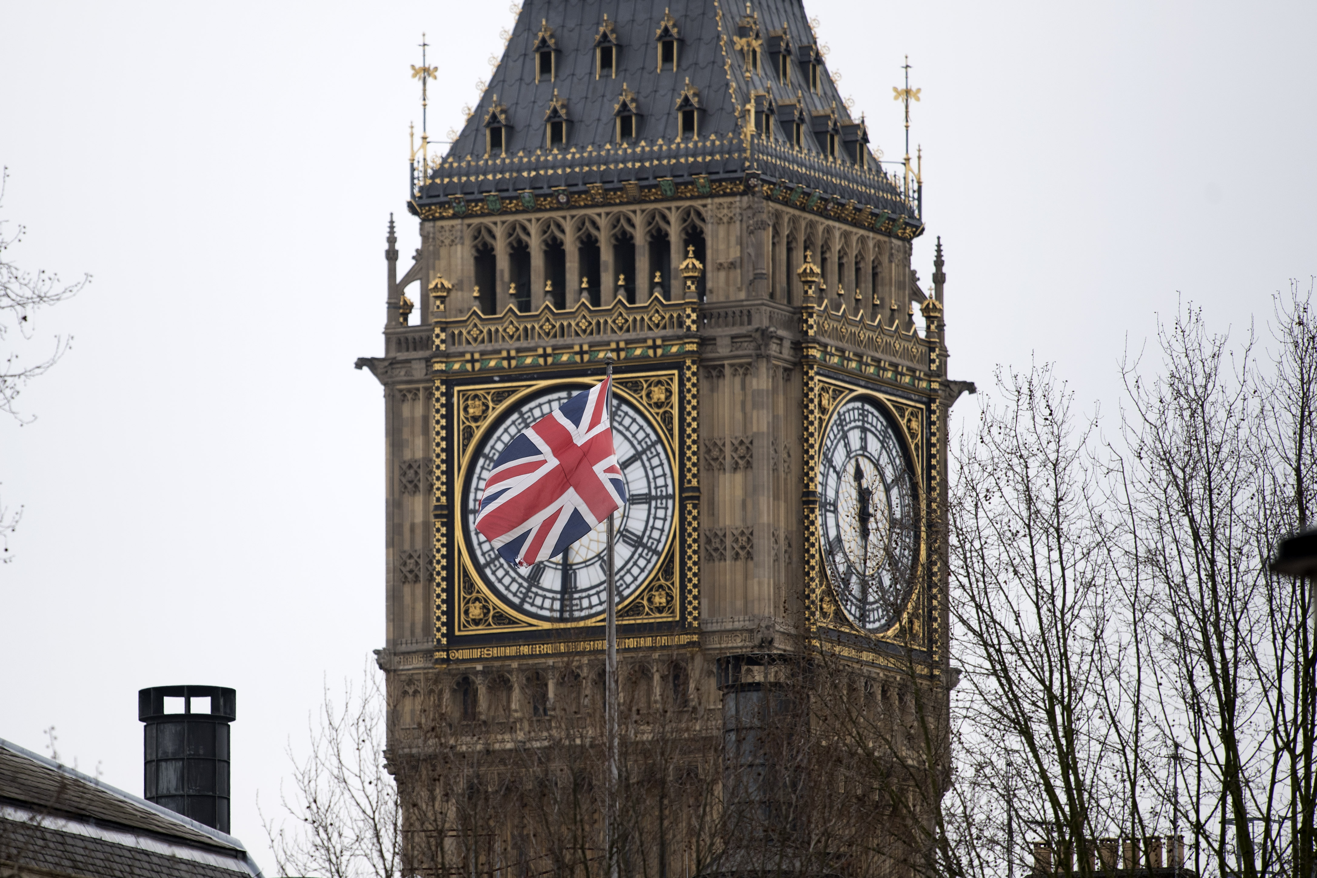 Guardian: 2019. március 29-éig tarthatják meg a britekkel azonos jogaikat a külföldi munkavállalók Nagy-Britanniában