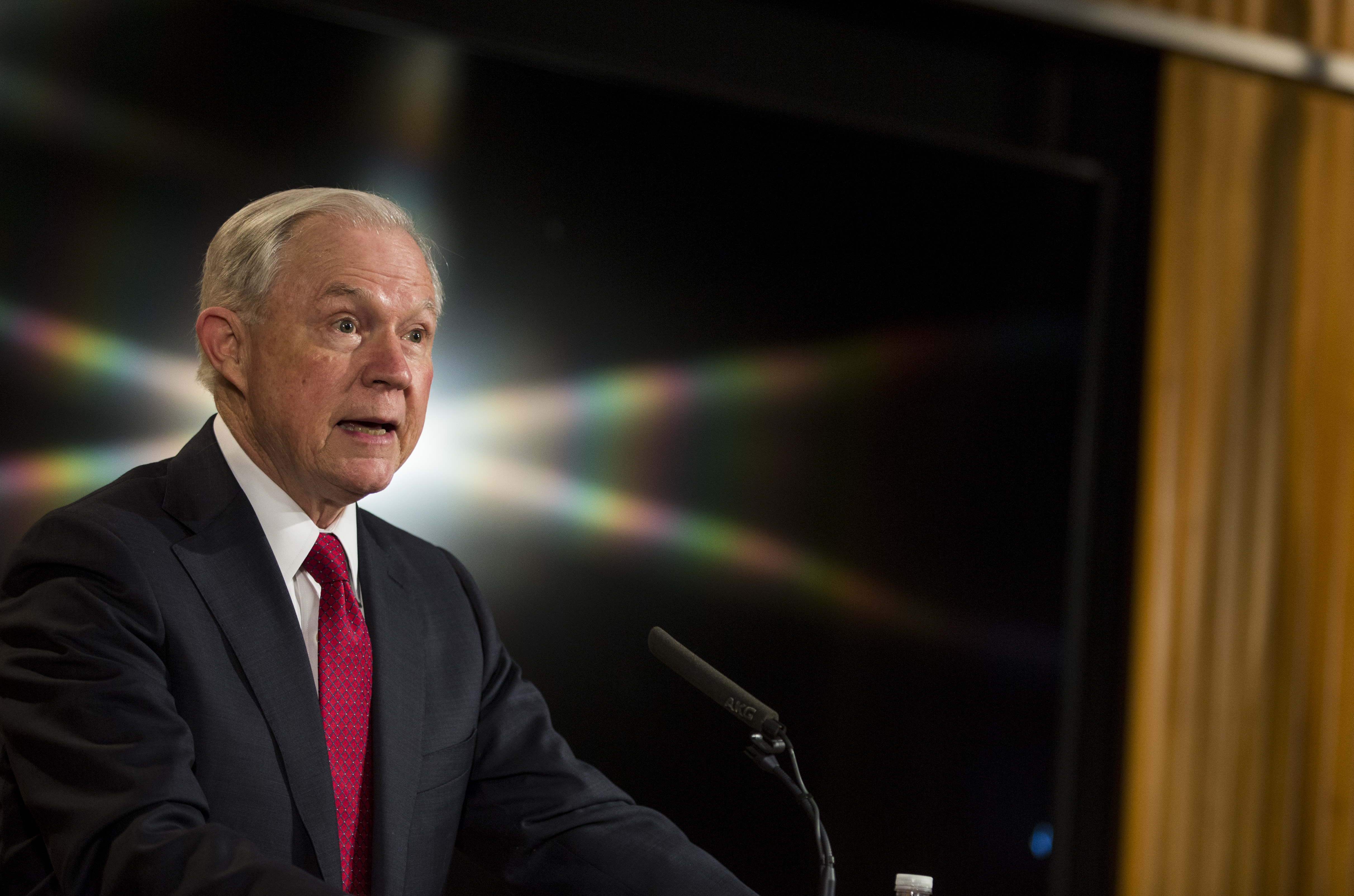 Az amerikai igazságügyi miniszter titokban találkozgatott az orosz nagykövettel