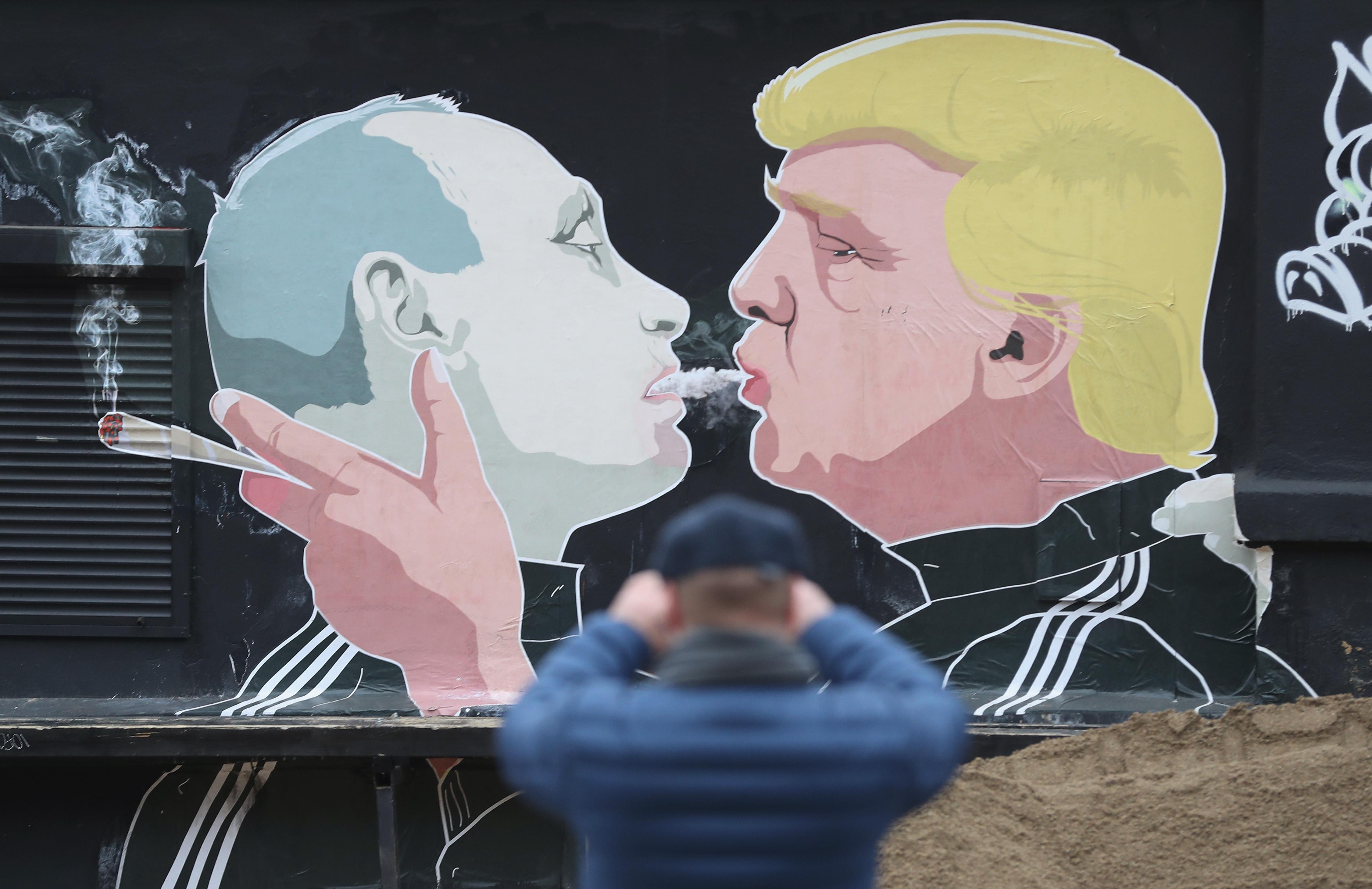 Trump váratlant húzott, egy elismert Oroszország-bírálót kért fel külpolitikai szakigazgatónak