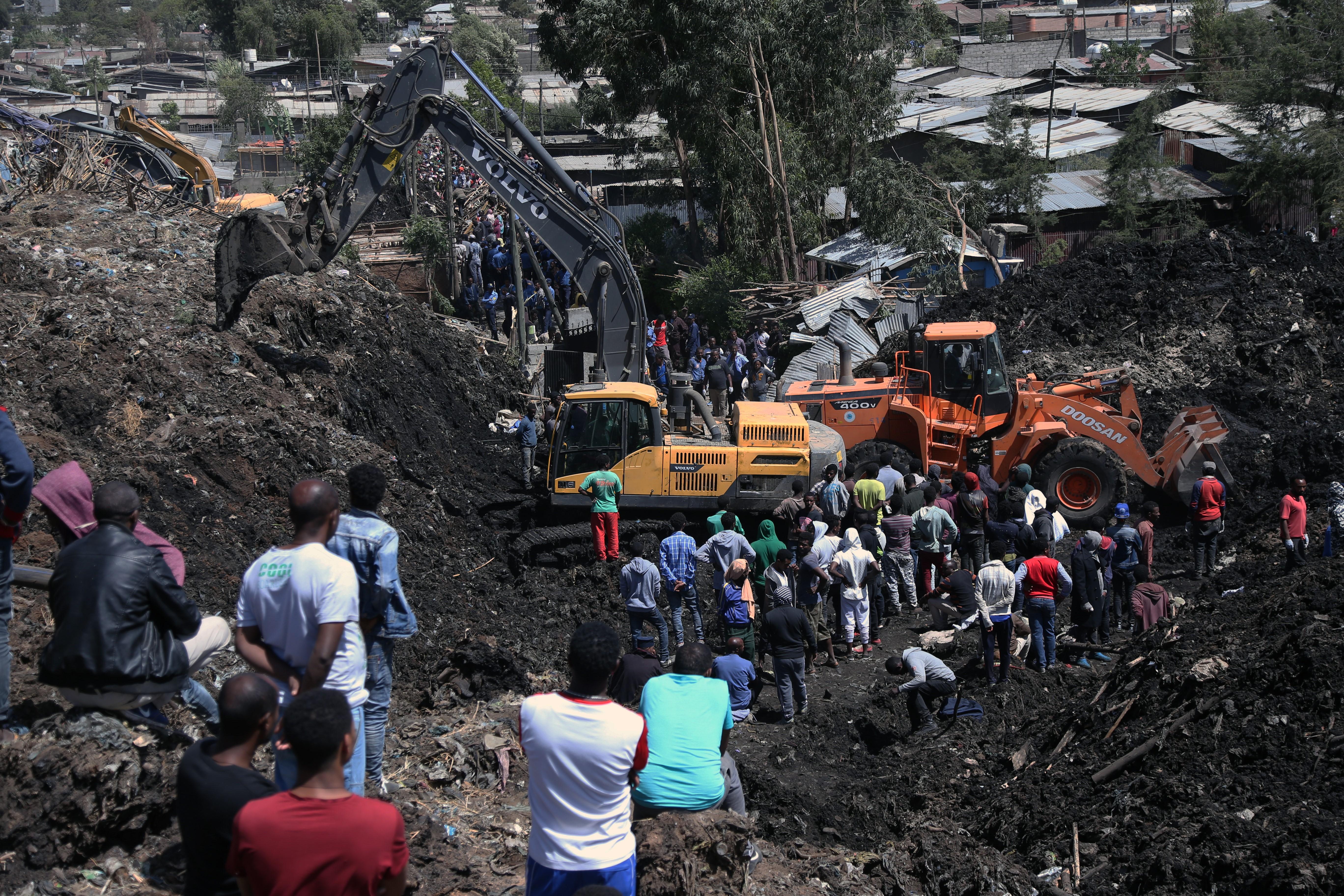 Szemétdombcsuszamlás temetett maga alá 35 embert Etiópiában