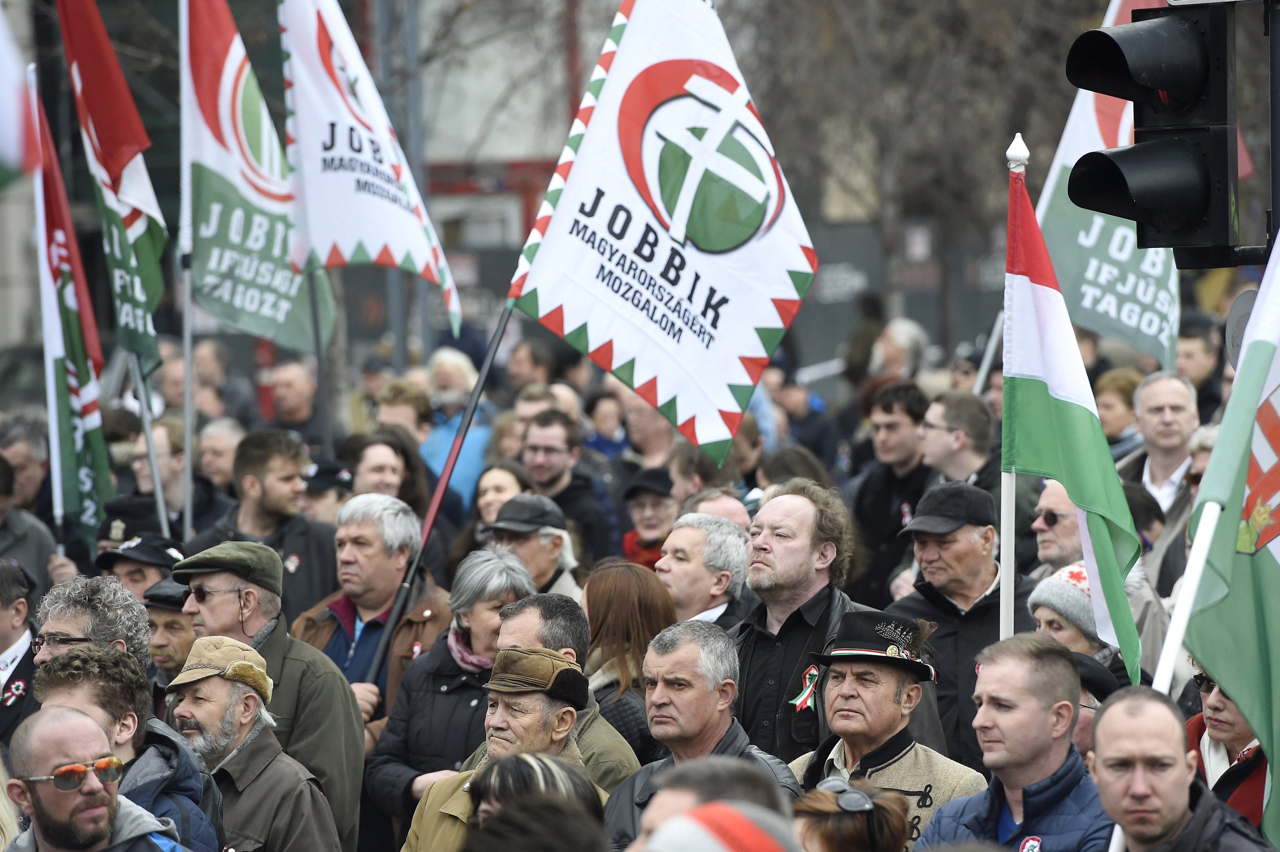 Jobbik: Több tízezer szavazatot érintettek a rendszerszintű visszaélések