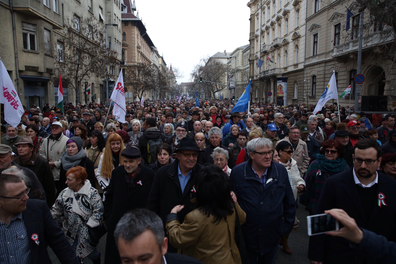 Majtényi Lászlóval kb. 3000-3500 ember tette meg a sétát