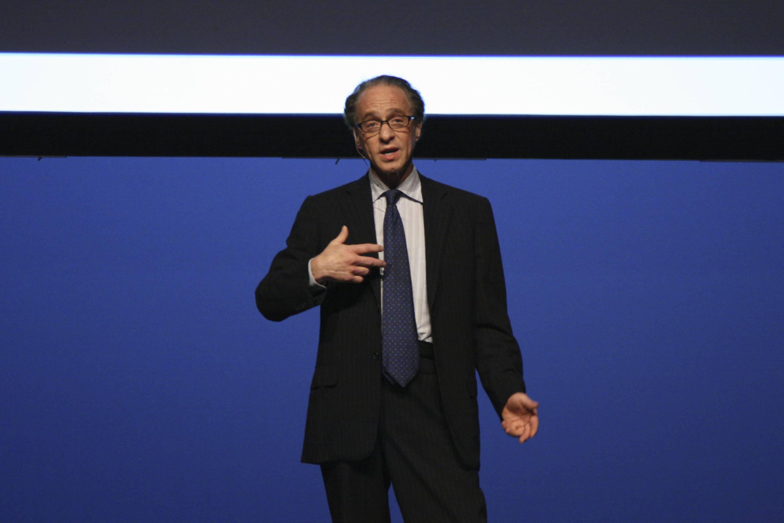 Ray Kurzweil szerint 2029-re a számítógép olyan okos lesz, mint az ember, ha nem okosabb