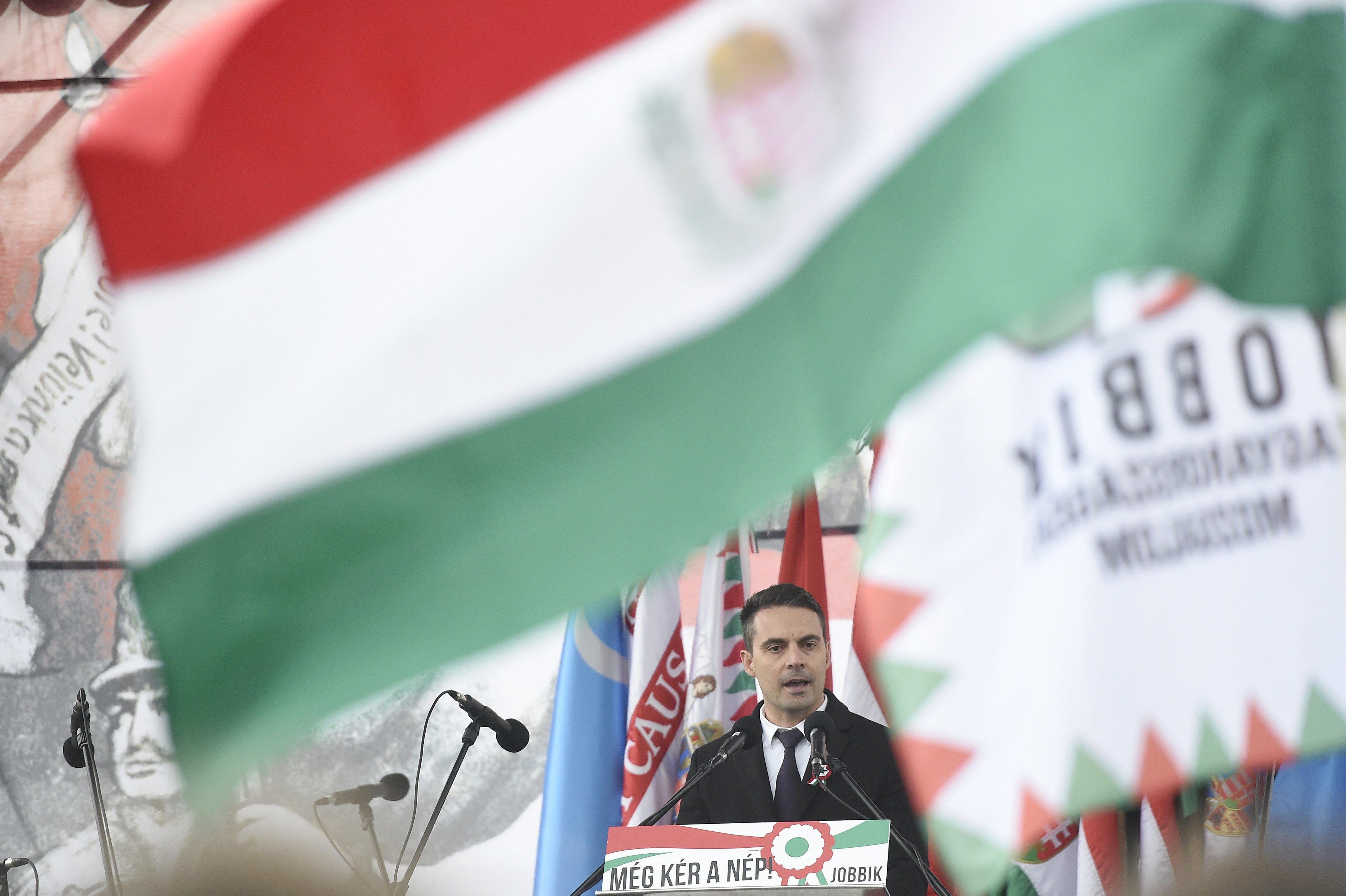 A Jobbik elmeorvosi vizsgálatot írna elő a kormány tagjainak