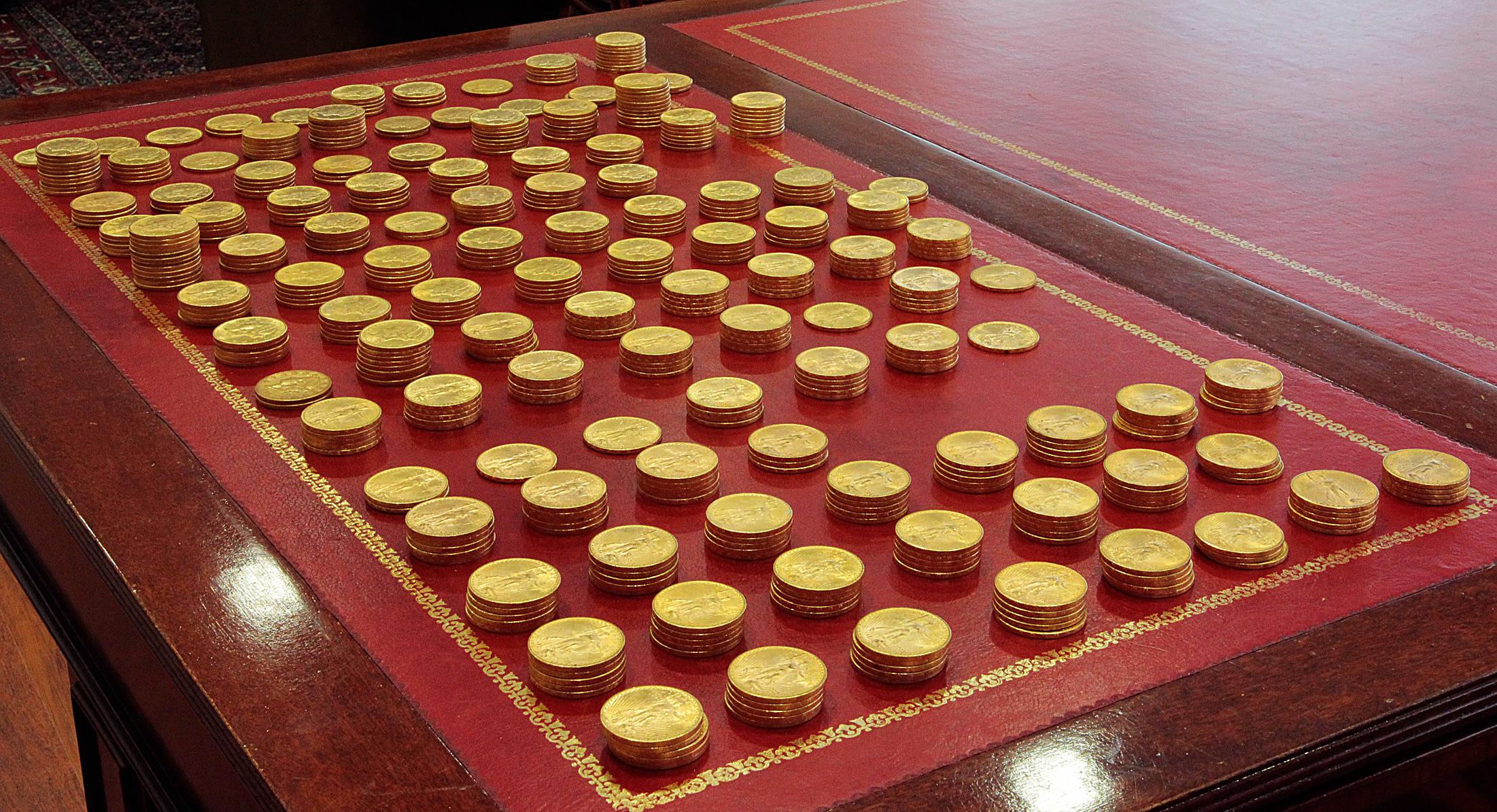 Egy zongorából került elő rengeteg arany, a brit hatóságok most próbálnak rájönni, hogy kié lehet