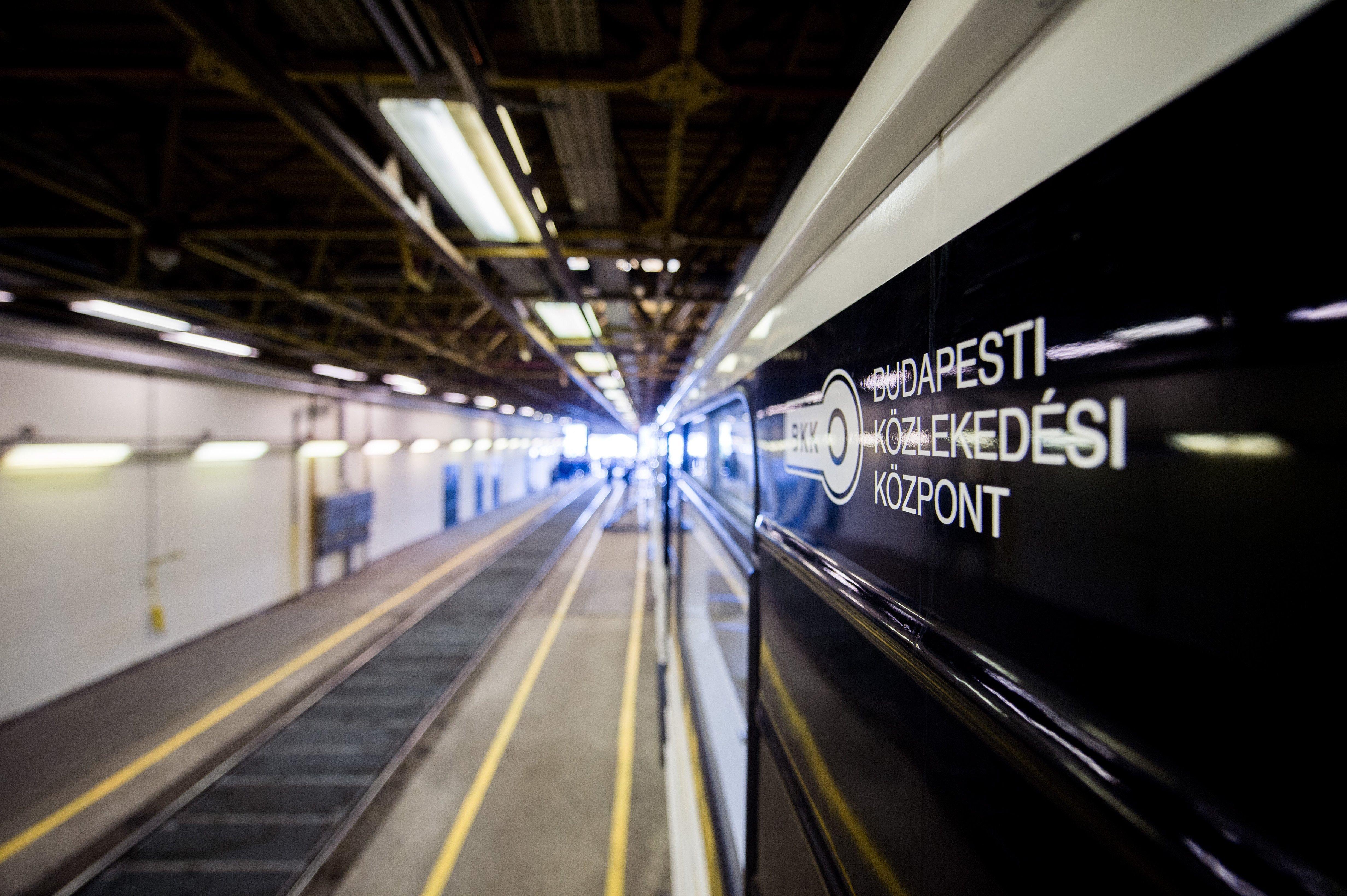 Nem járt egy szakaszon a M3-as metró, mert EGY KUTYA BESZALADT AZ ALAGÚTBA