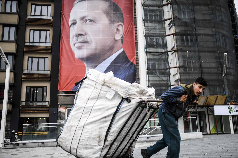 Nem tanítanák többet az evolúciót a török iskolákban
