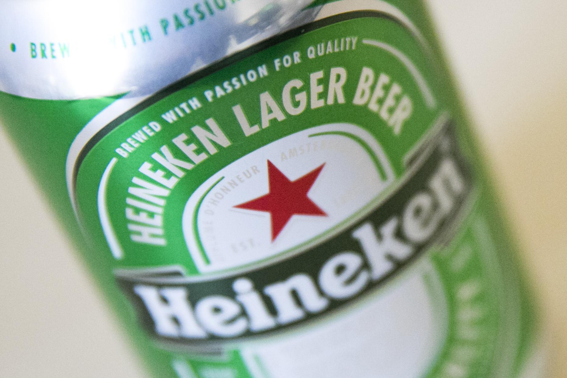 Világszerte 8000 embert rúg ki a Heineken