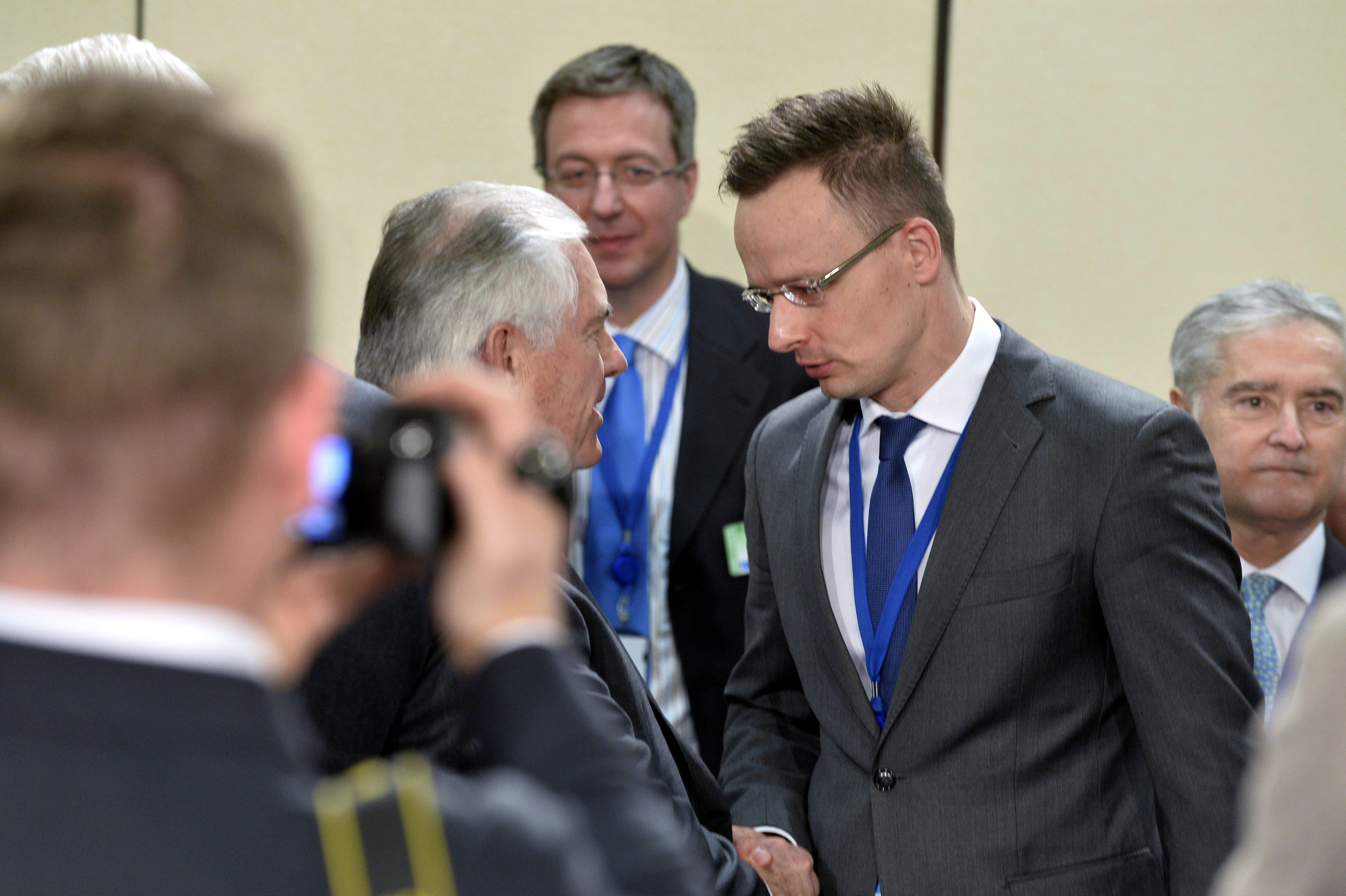 Szijjártó: A magyar kormány továbbra is nyitott tárgyalni a Egyesült Államok szövetségi kormányával a CEU-ról