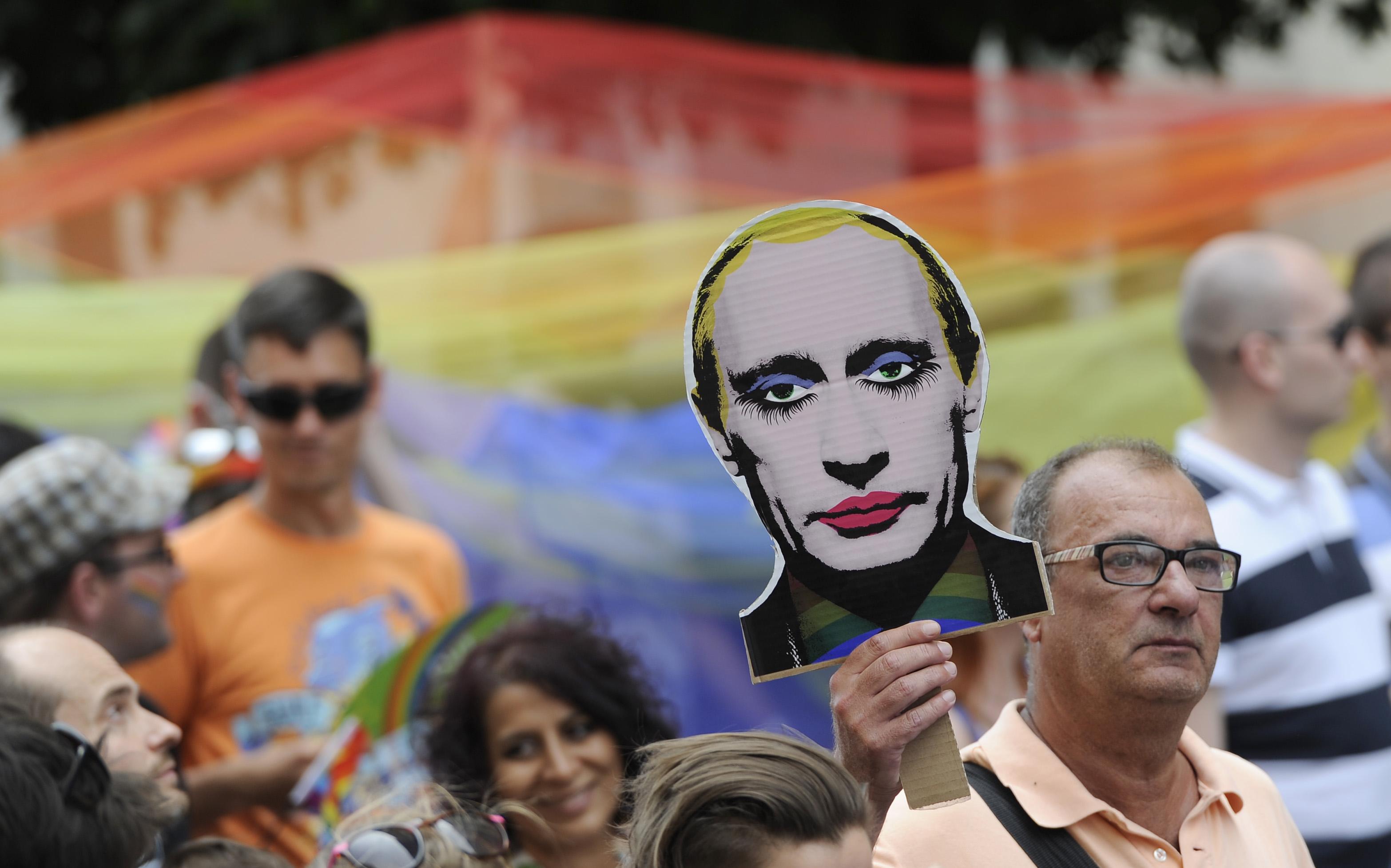Gulyás Márton: A putyini mintára készült homofób törvény végszavazását bojkottálni kell