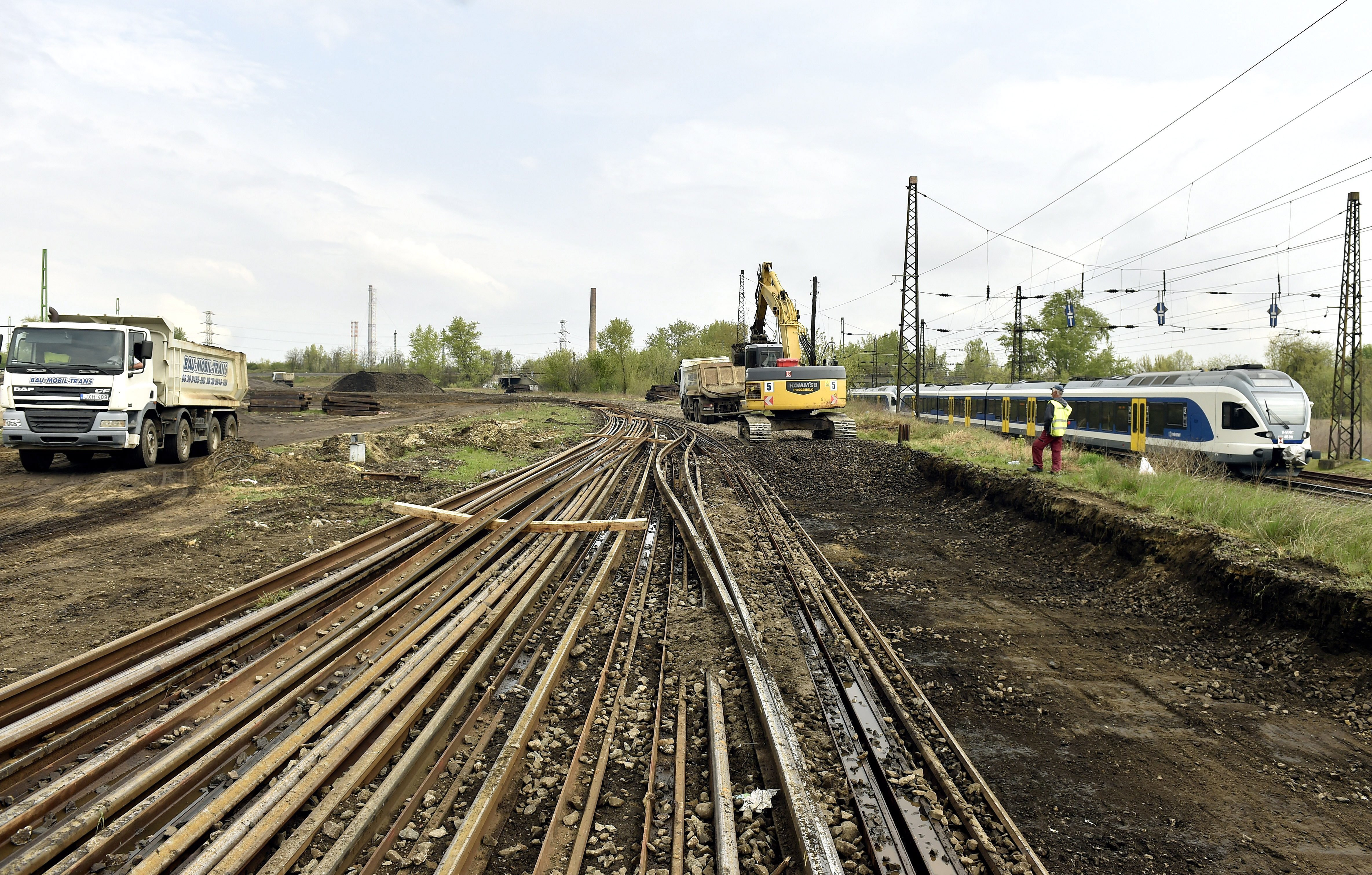 Hadházy szerint a szokásos ár legalább négyszeresébe kerül majd a Belgrád-Budapest vasút kilométere