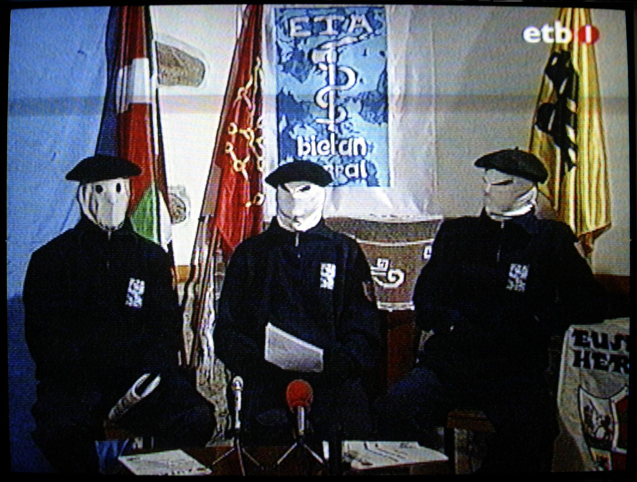 Az ETA felszámolja a megmaradt fegyverraktárait
