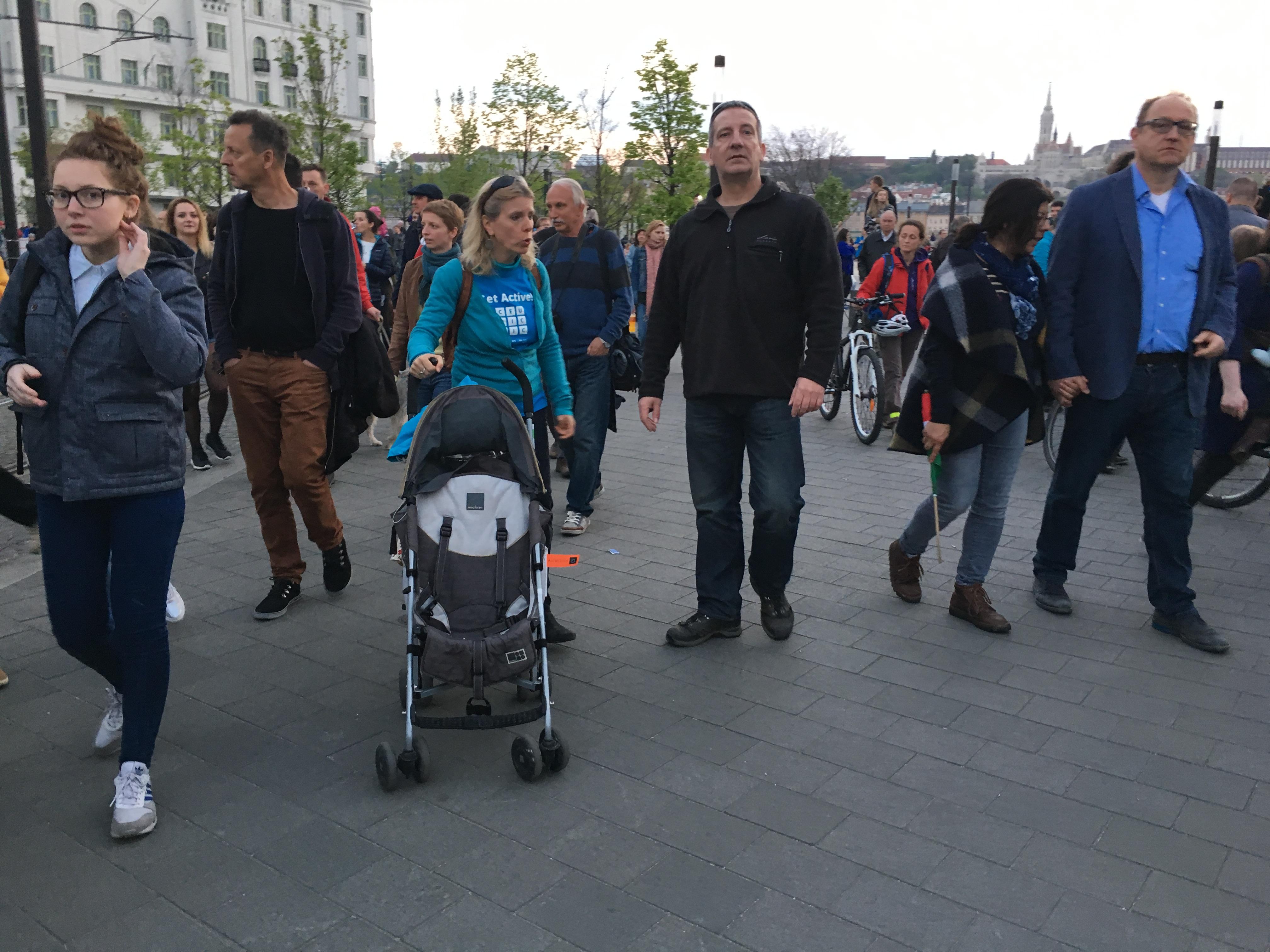 Ürge-Vorsatz Diána is kiment a CEU melletti tüntetésre