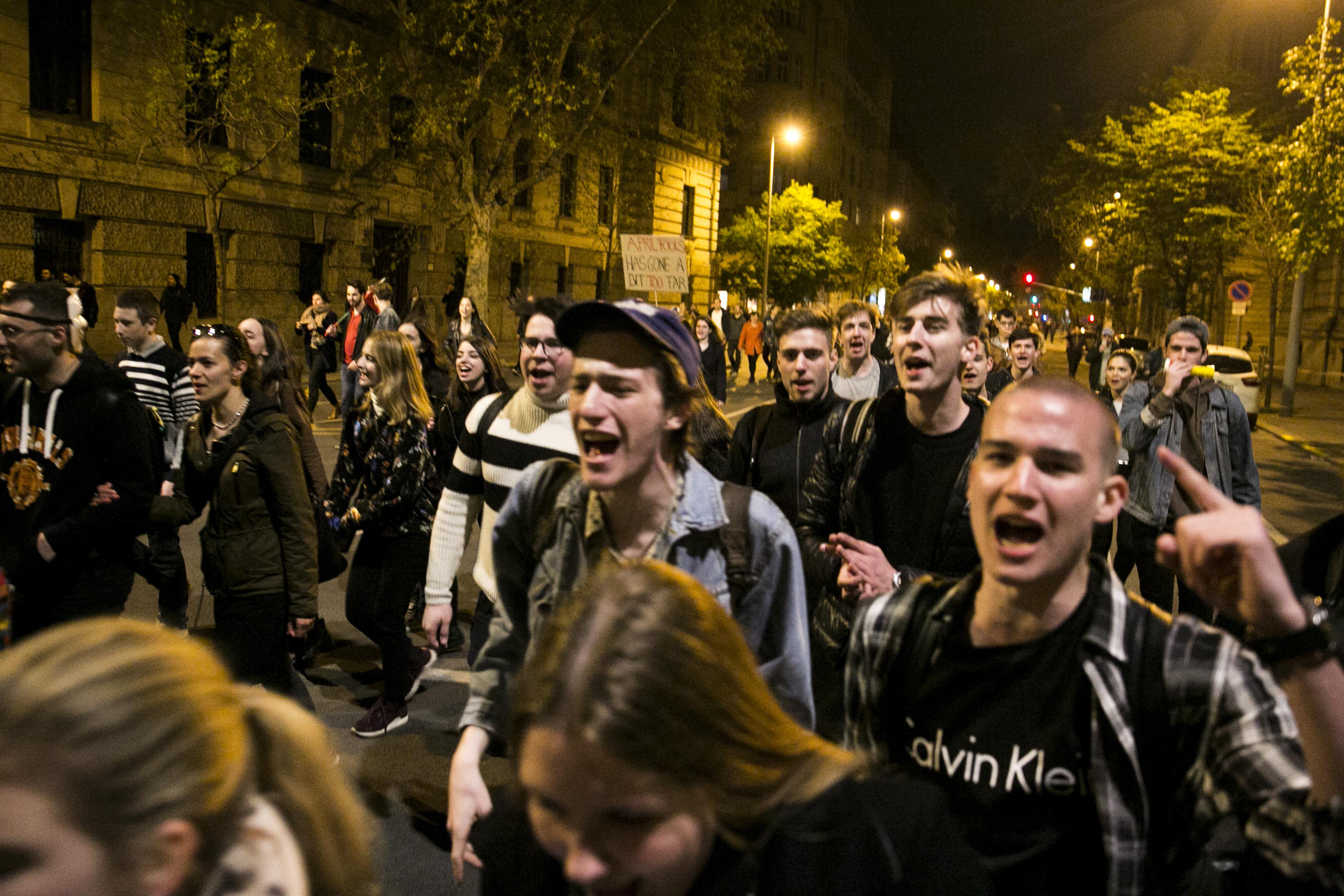 Fiatalok, jókedvűek és nagyon-nagyon dühösek