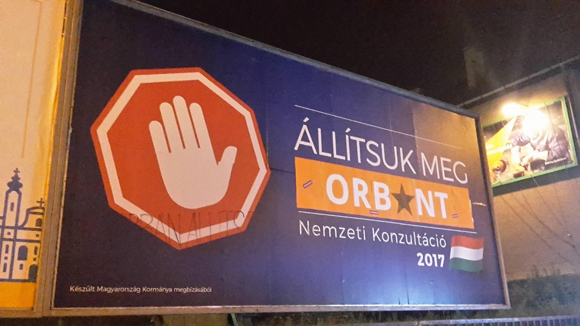 """A Momentum 14 városban írta át a Brüsszel-ellenes kormánypropagandát arra, hogy: """"Állítsuk meg Orbánt/Moszkvát"""""""