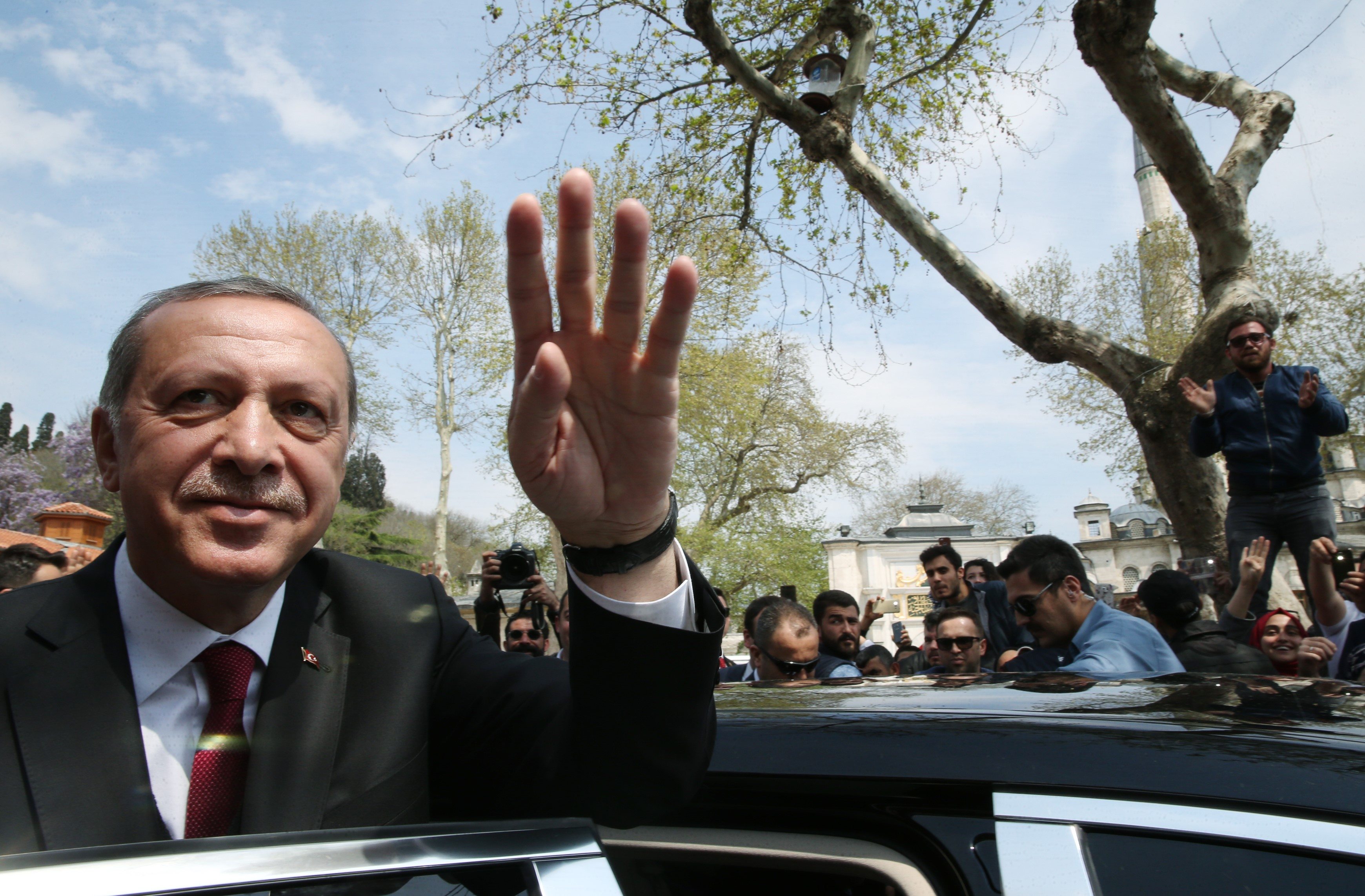 Őrizetbe vették az Amnesty International törökországi vezetőjét