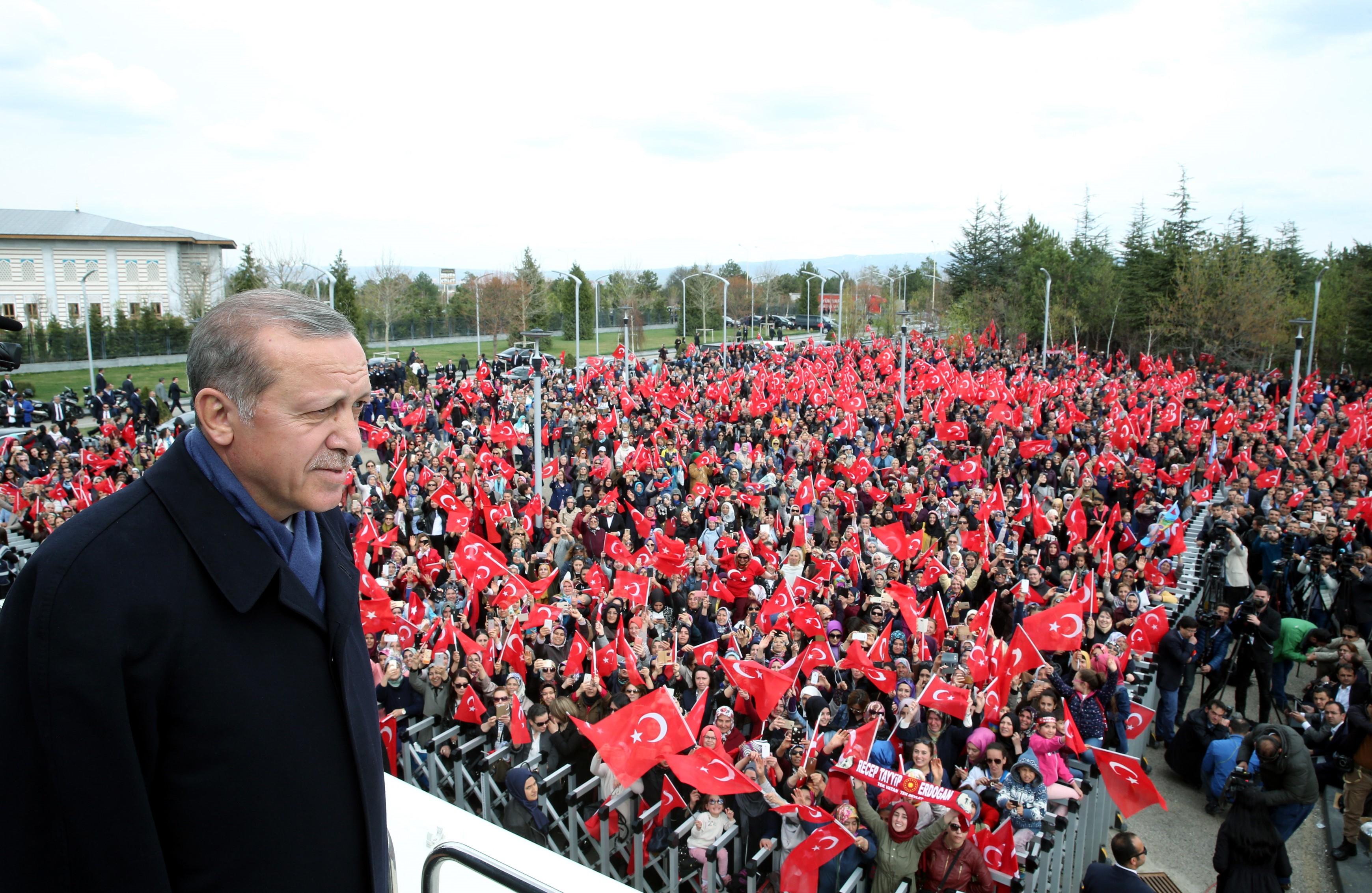 1628 embert vettek őrizetbe a razziázó rendőrök Törökországban