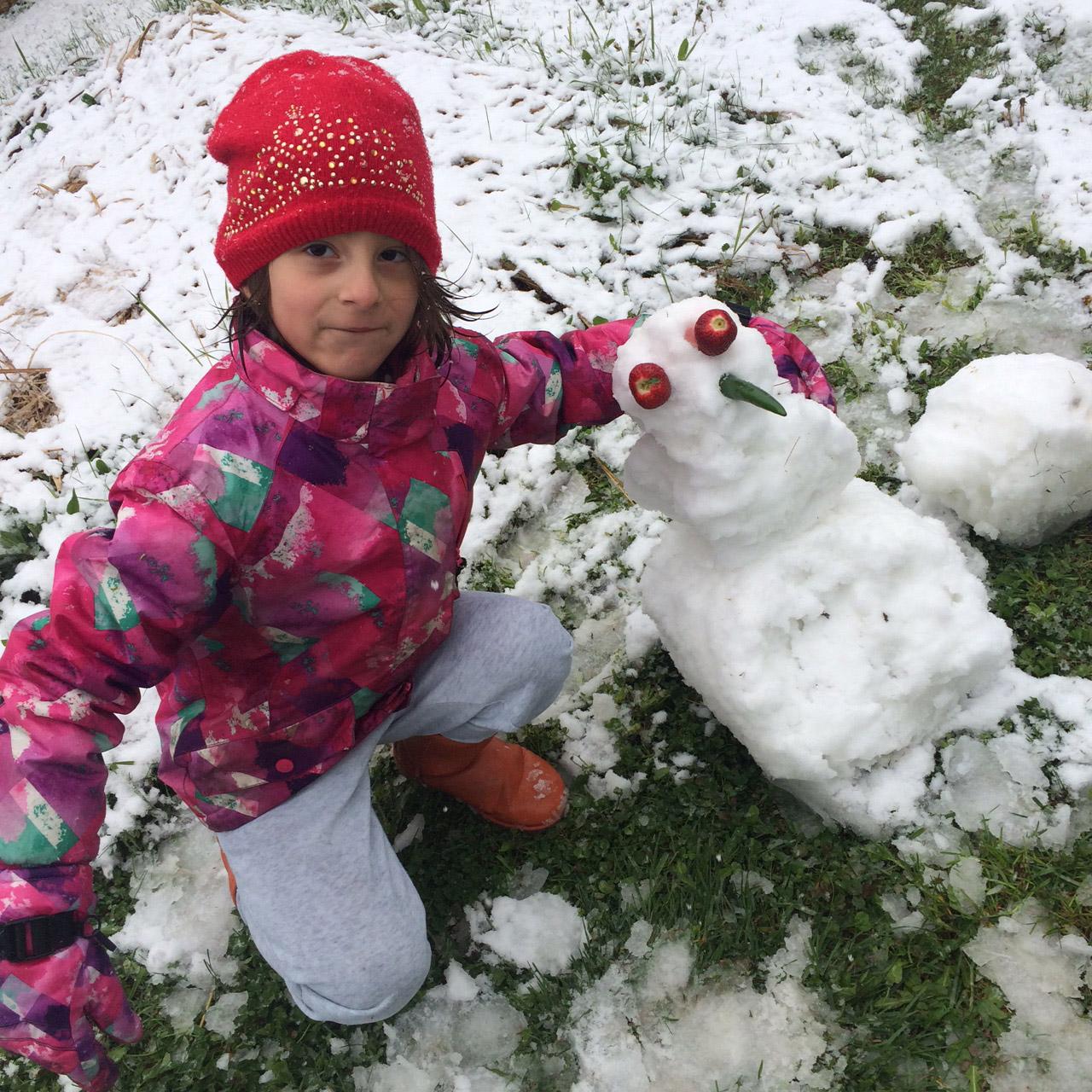 Elszomorító, megdöbbentő és vidám képeken az áprilisi hó