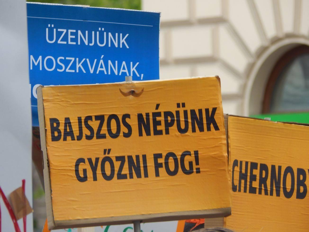 Hat szavazókörben ismételtetné meg a választást a Kétfarkú Kutyapárt
