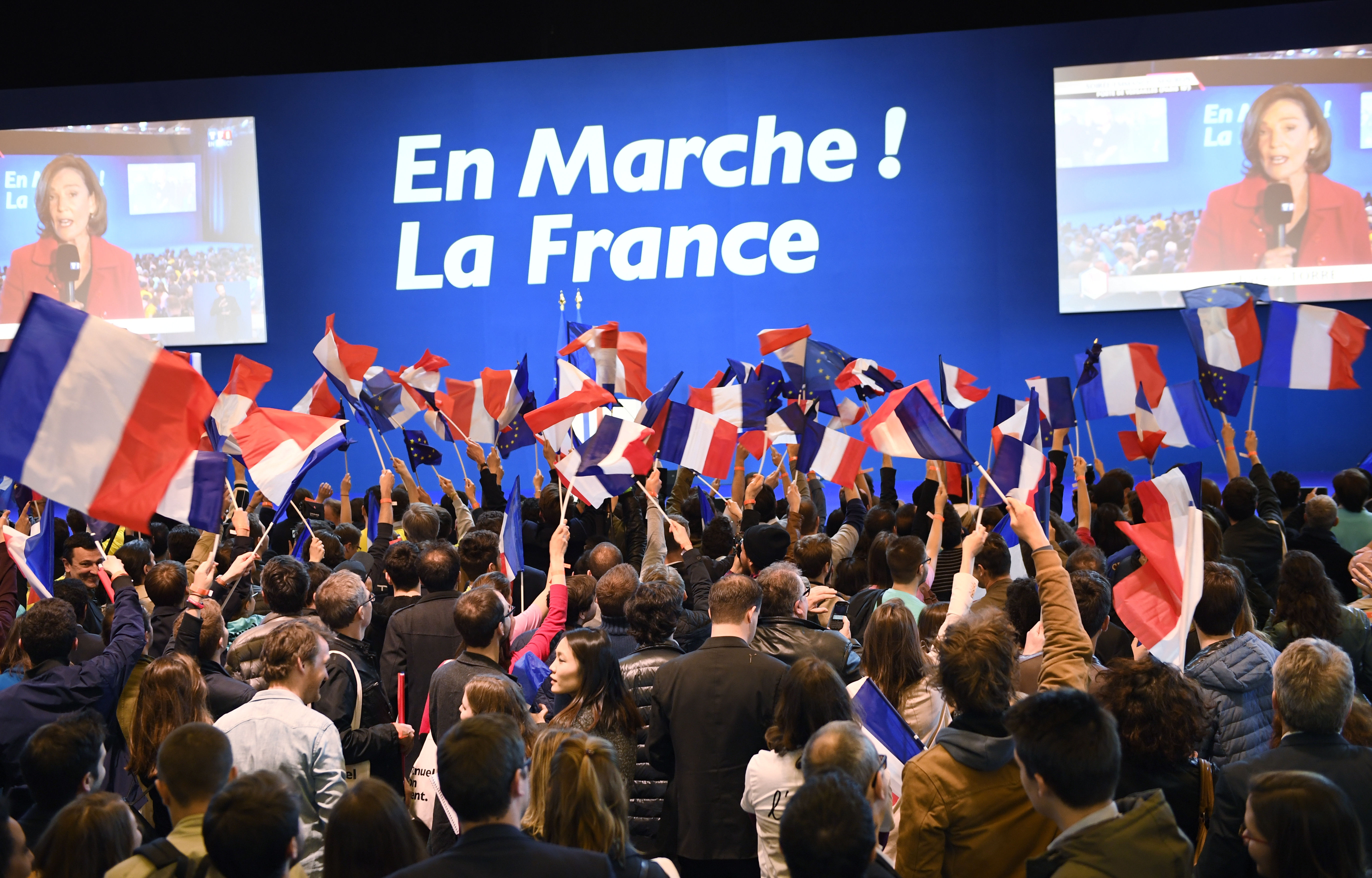 A fiatal franciák balra szavaztak az elnökválasztáson, az öregek meg jobbra