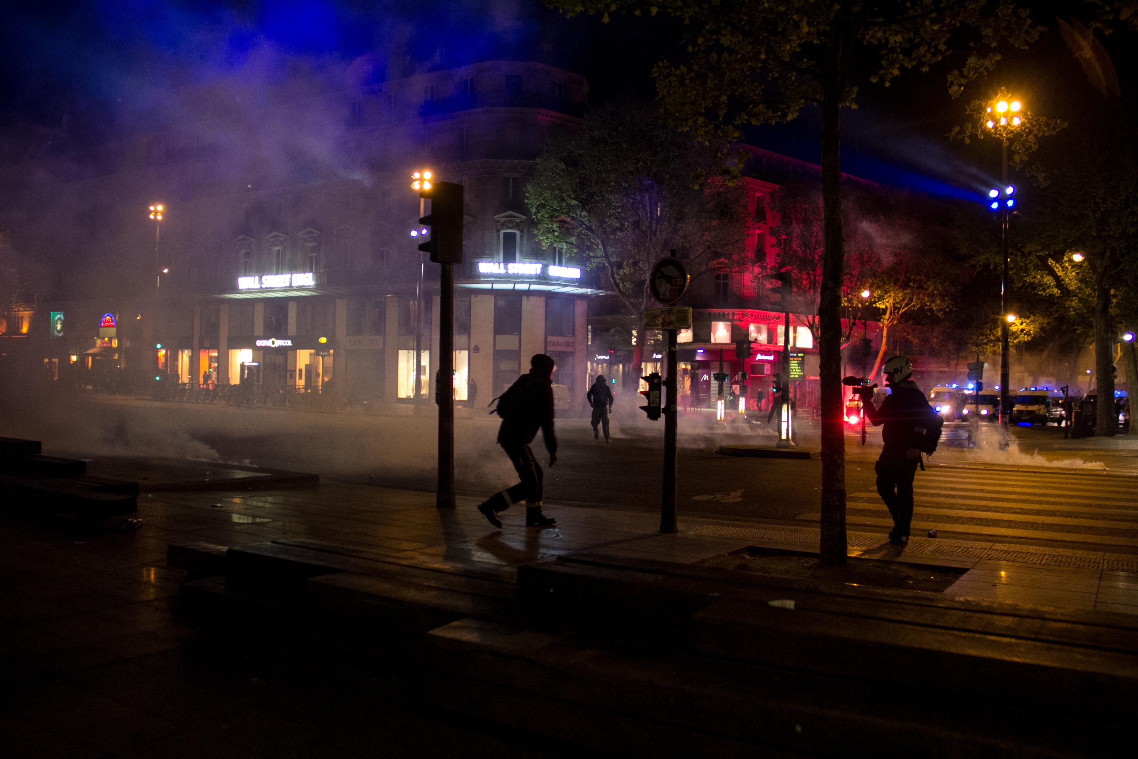 Kisebb zavargással ért véget Párizsban a francia elnökválasztás