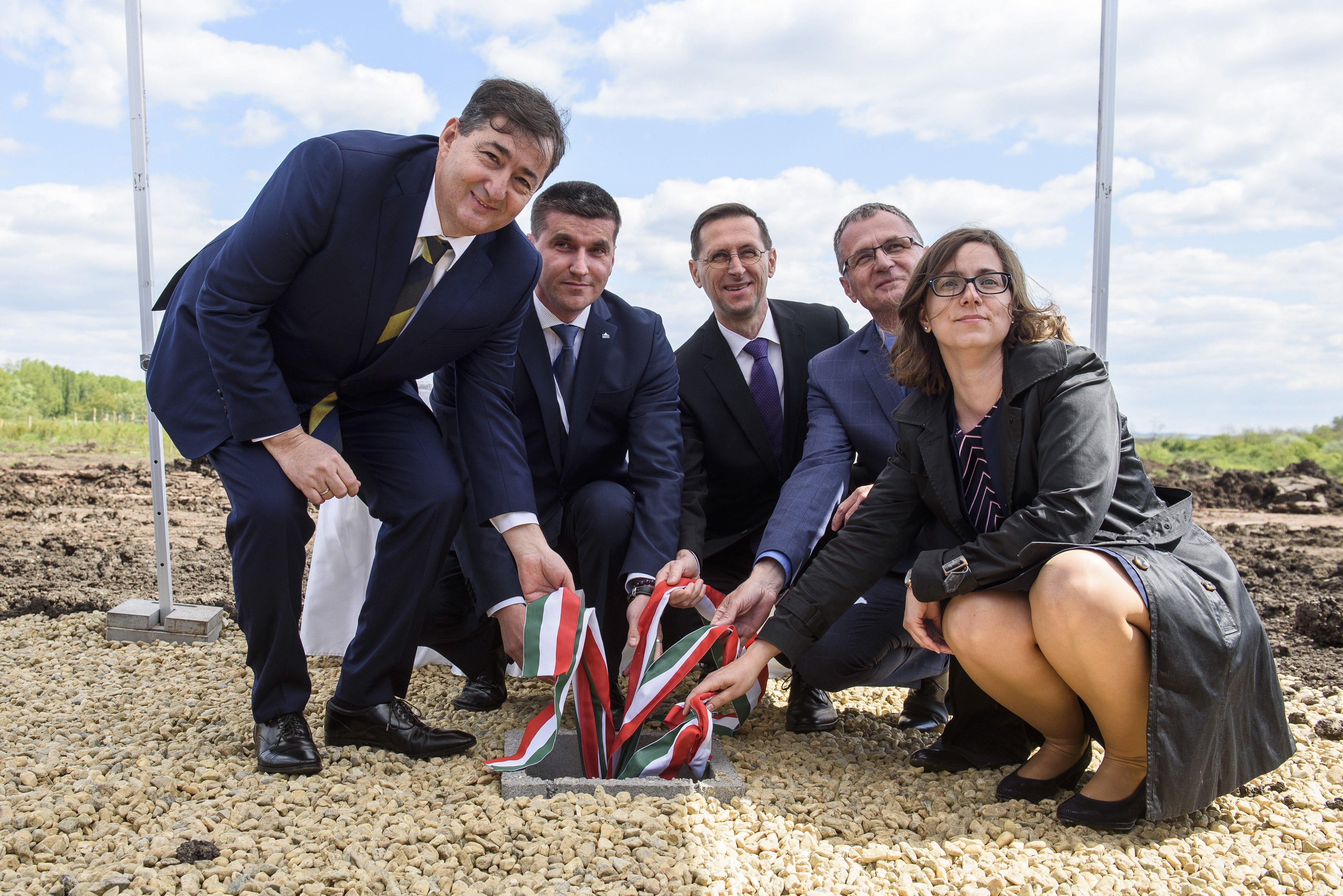 Mészáros Lőrinc 6,2 milliárdos kormányzati támogatással építi meg Magyarország egyetlen búzakeményítő gyárát