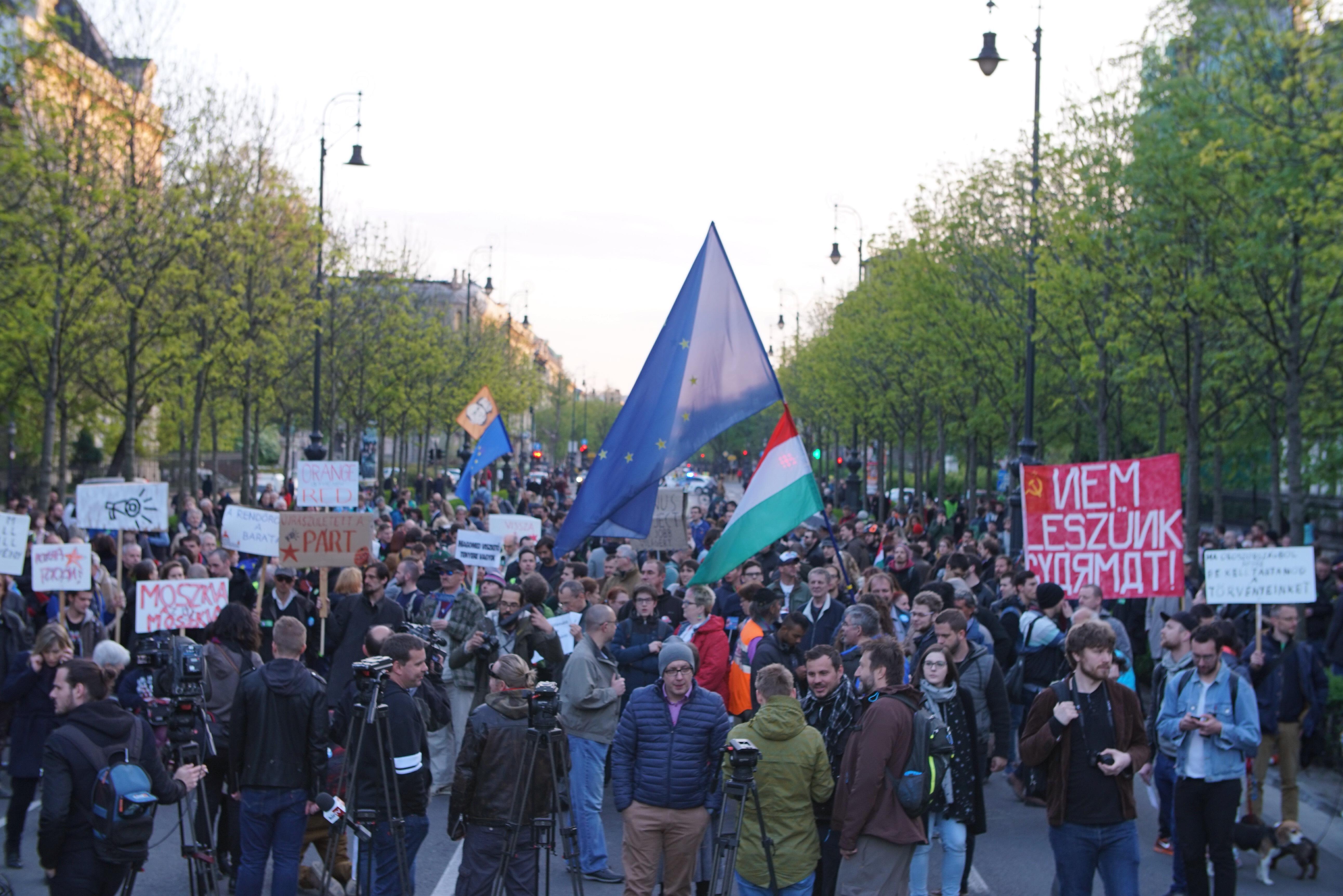 Tüntetés a növekvő orosz befolyás ellen