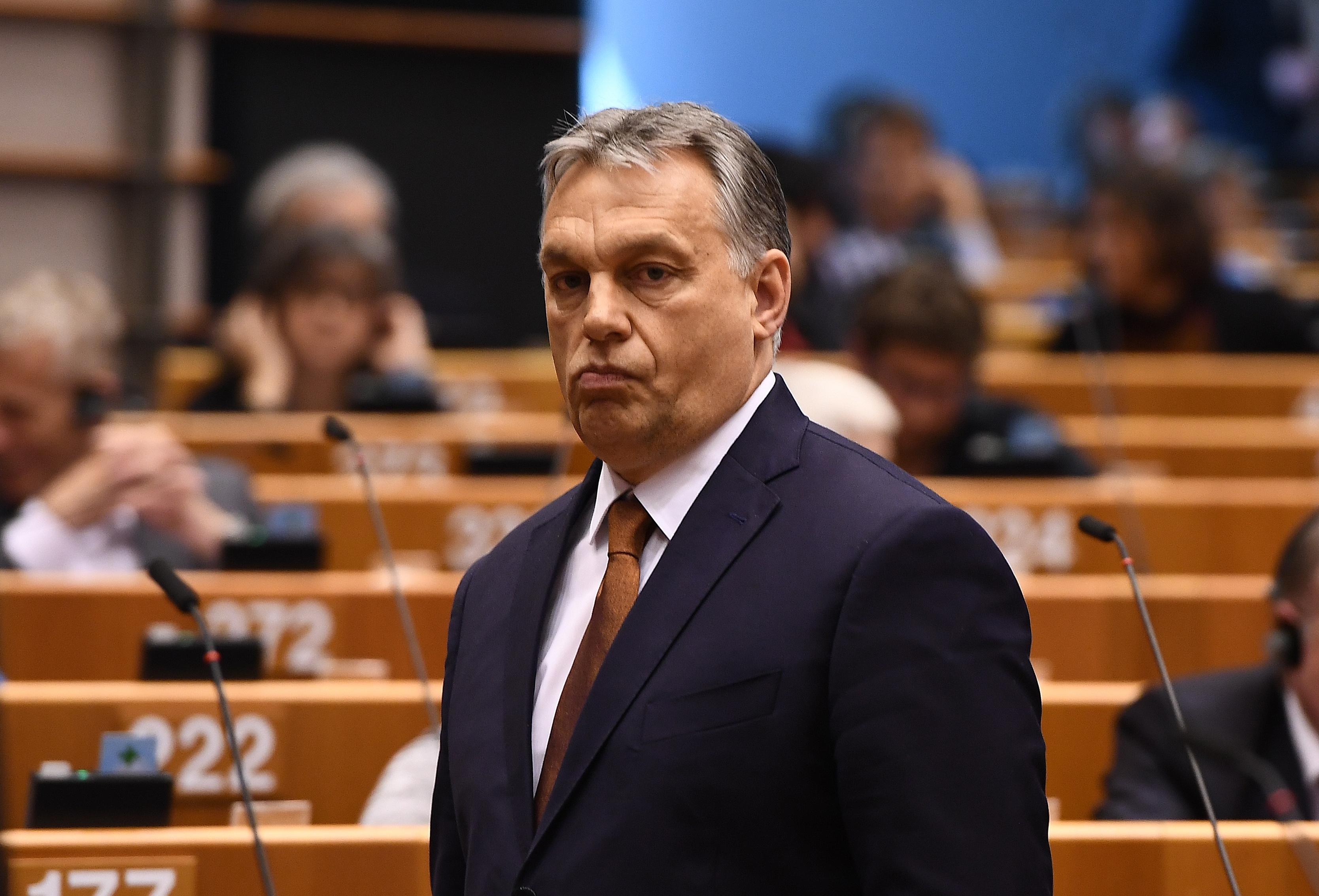 Zárt ülést tart az Európai Néppárt, hogy helyre tegyék Orbán Viktort