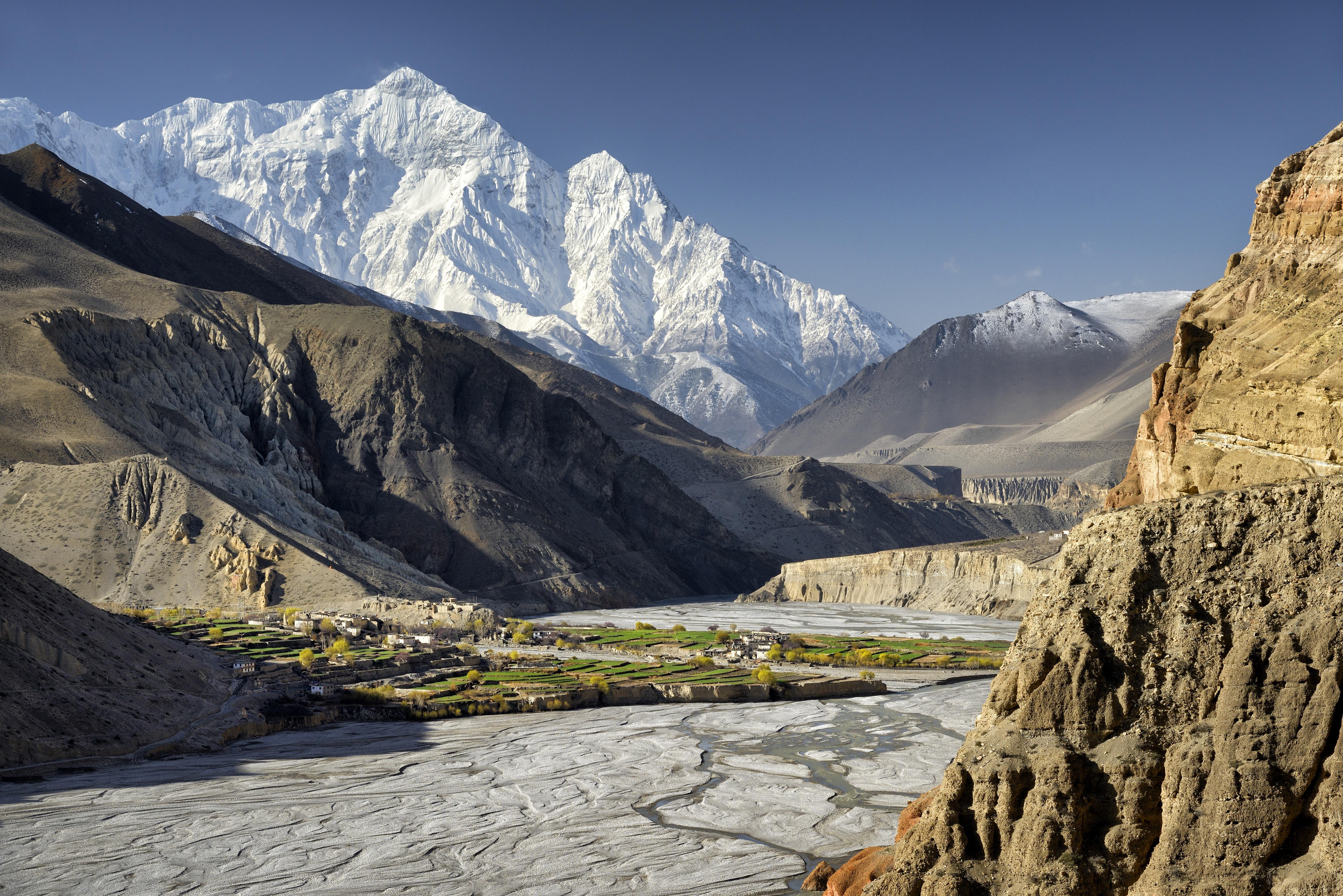 Másfél hónap után élve találtak rá a nepáli hegyekben eltévedt túrázóra