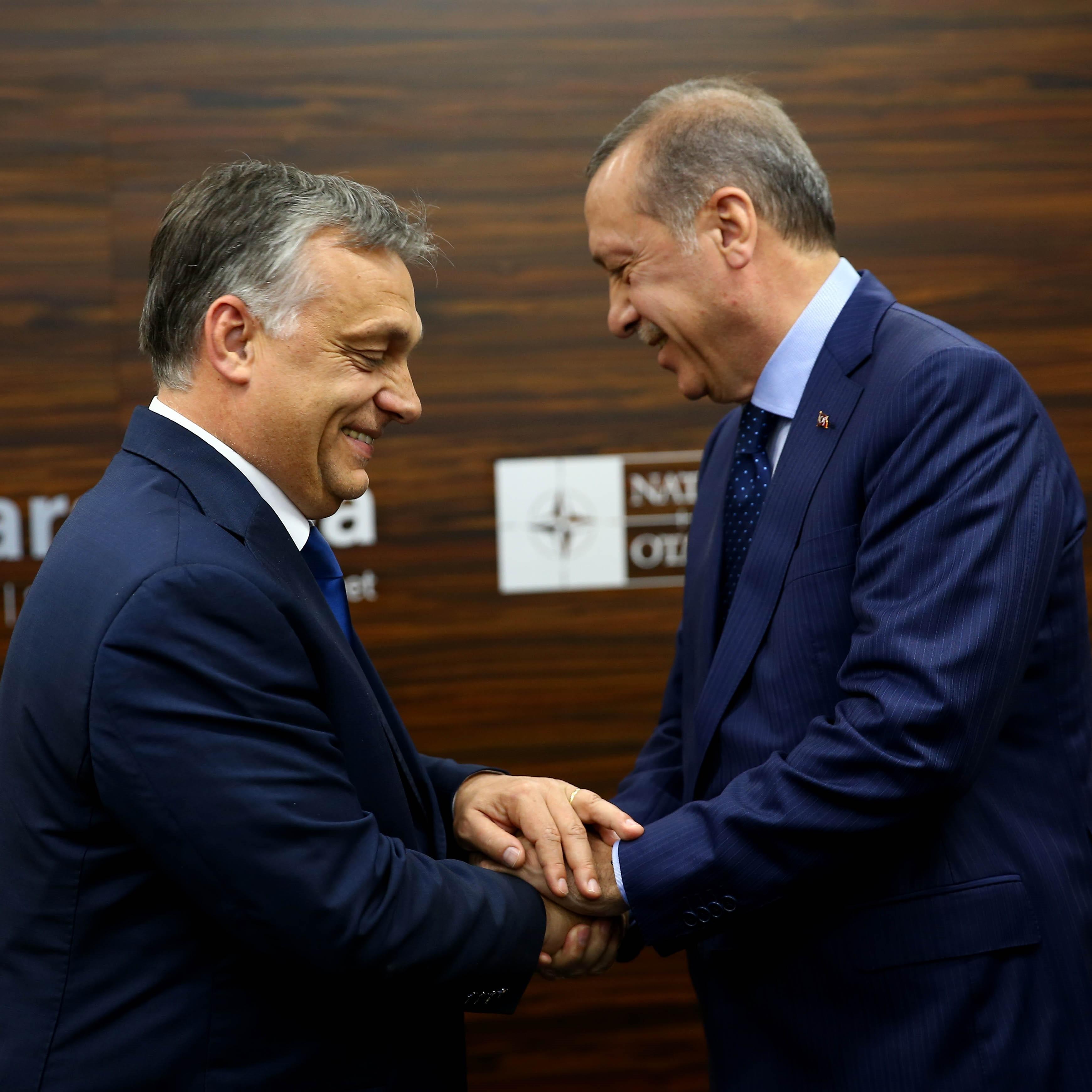 Orbán Viktor telefonon gratulált Erdogan elnöknek a teljhatalmához