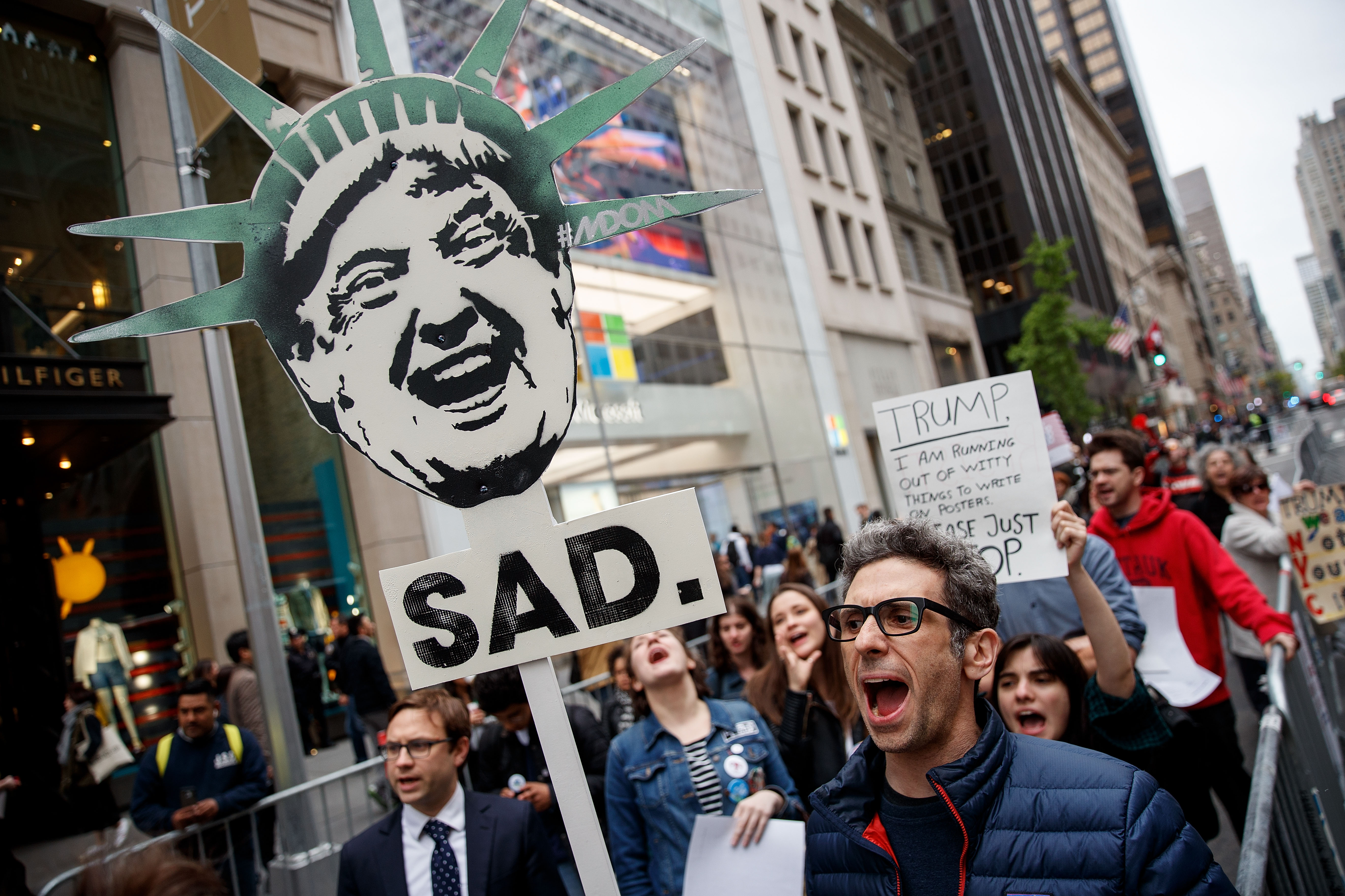 A tüntetők megakadályozták, hogy Trump New York-i otthonában éjszakázzon