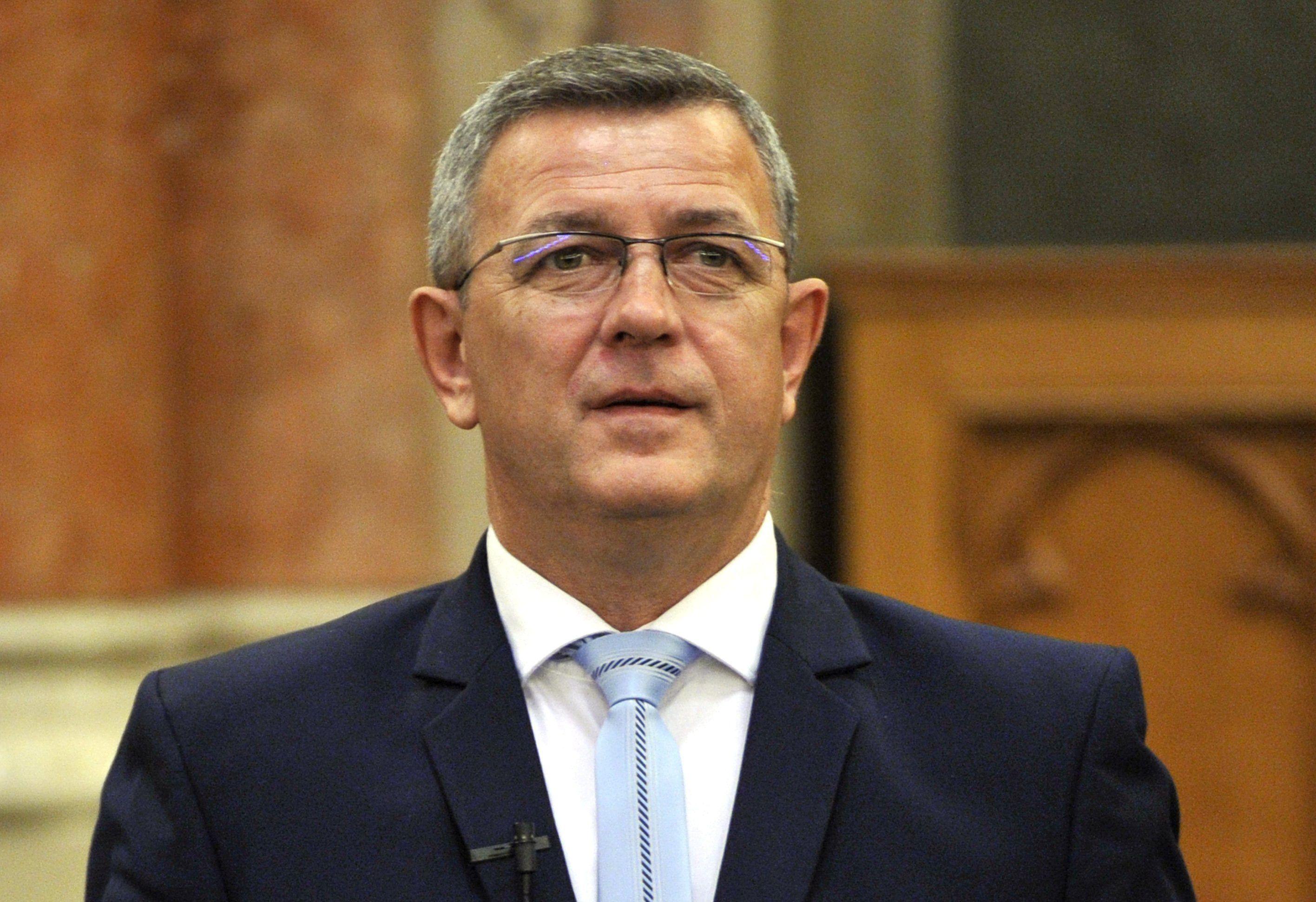 A jobbikos Szilágyi állítólag veréssel fenyegette Dömötör államtitkárt