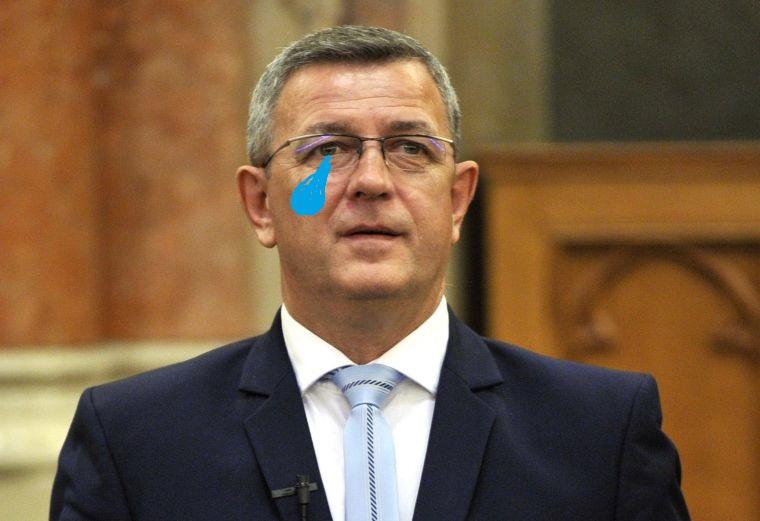 Olyan magyarosan kért bocsánatot a parlamenti fenyegetőzésért a jobbikos, hogy egyből hungarikummá avathatták volna