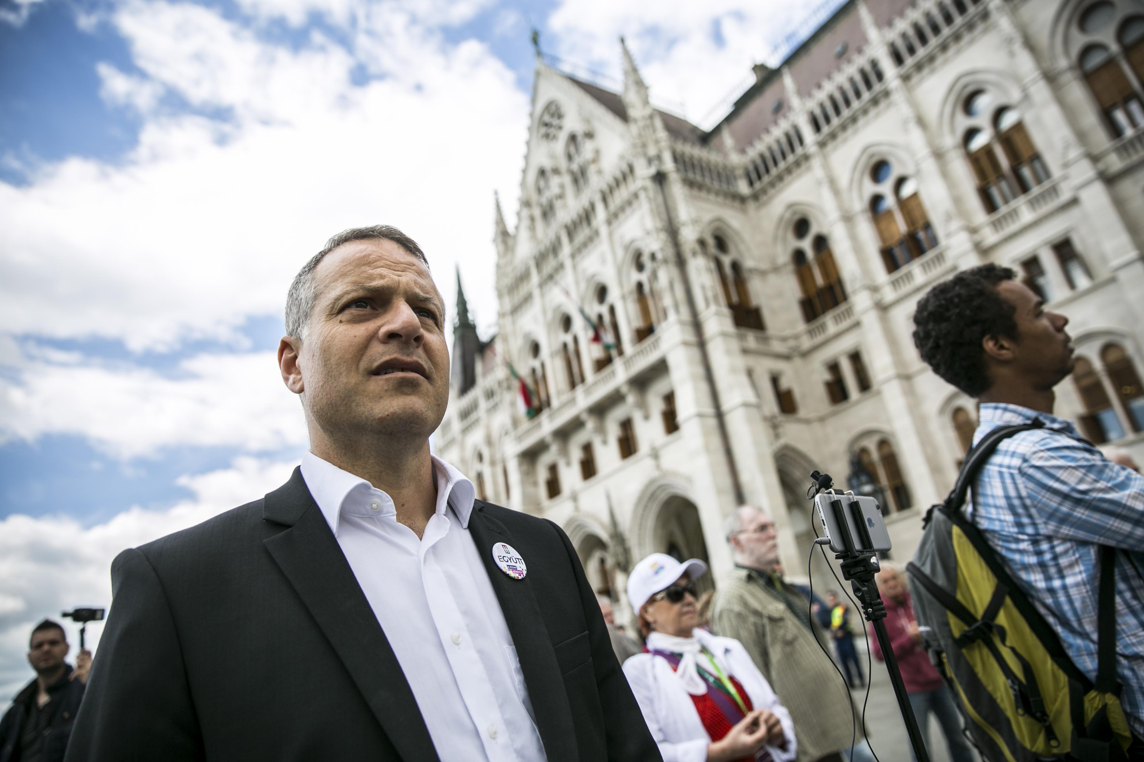 Juhász Péter: Orbán tényszerűen pszichopata, és végérvényesen fasisztává vált
