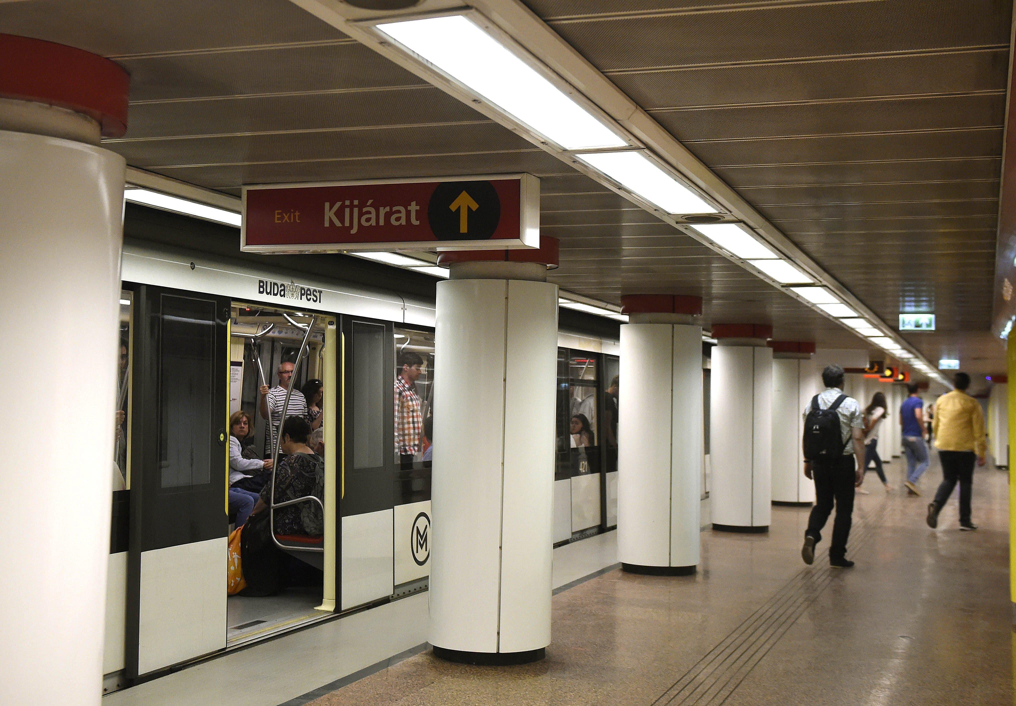 Elkezdik beoltani a metró dolgozóit