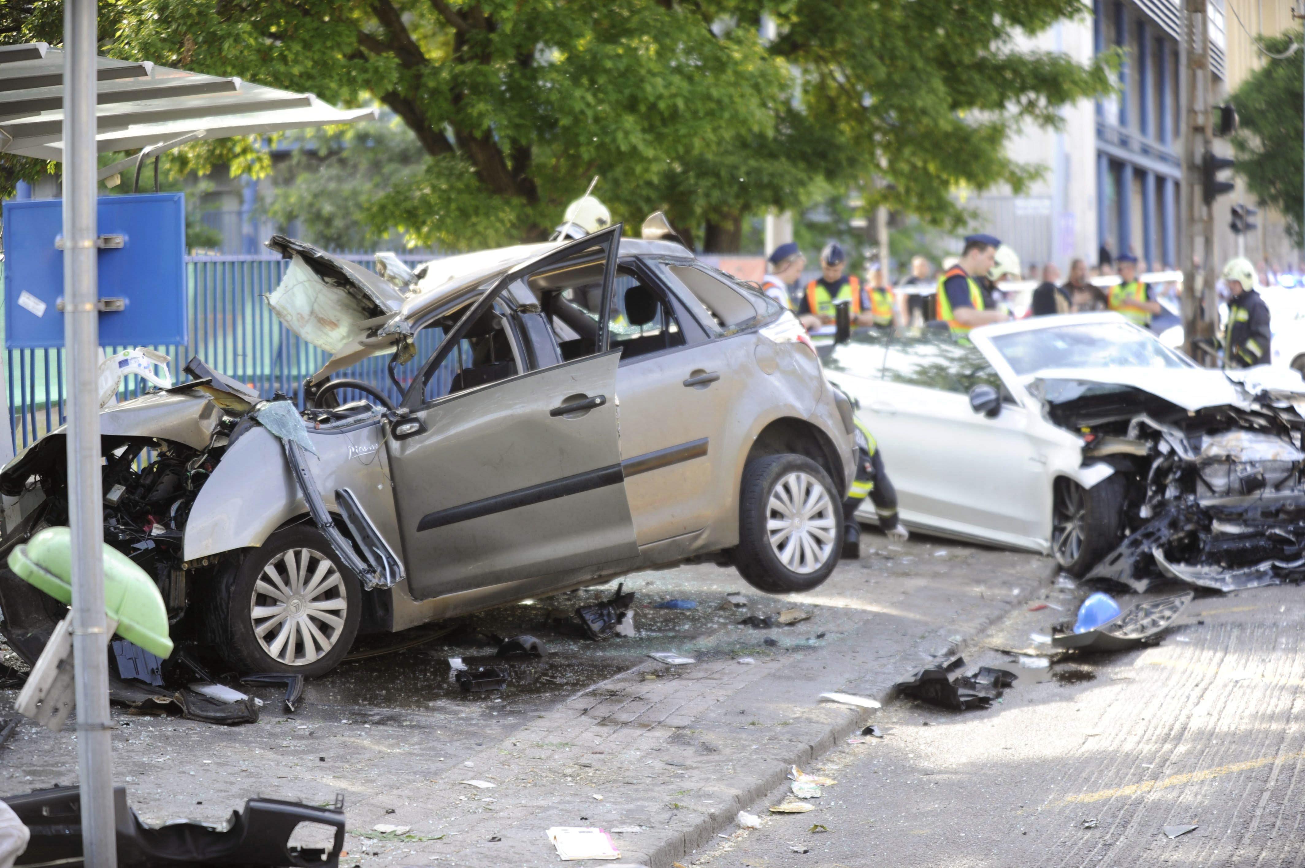 A Dózsa György úti baleset összes sérültje a Citroënben ült, amikor beléjük szállt a Mercedesszel M. Richárd