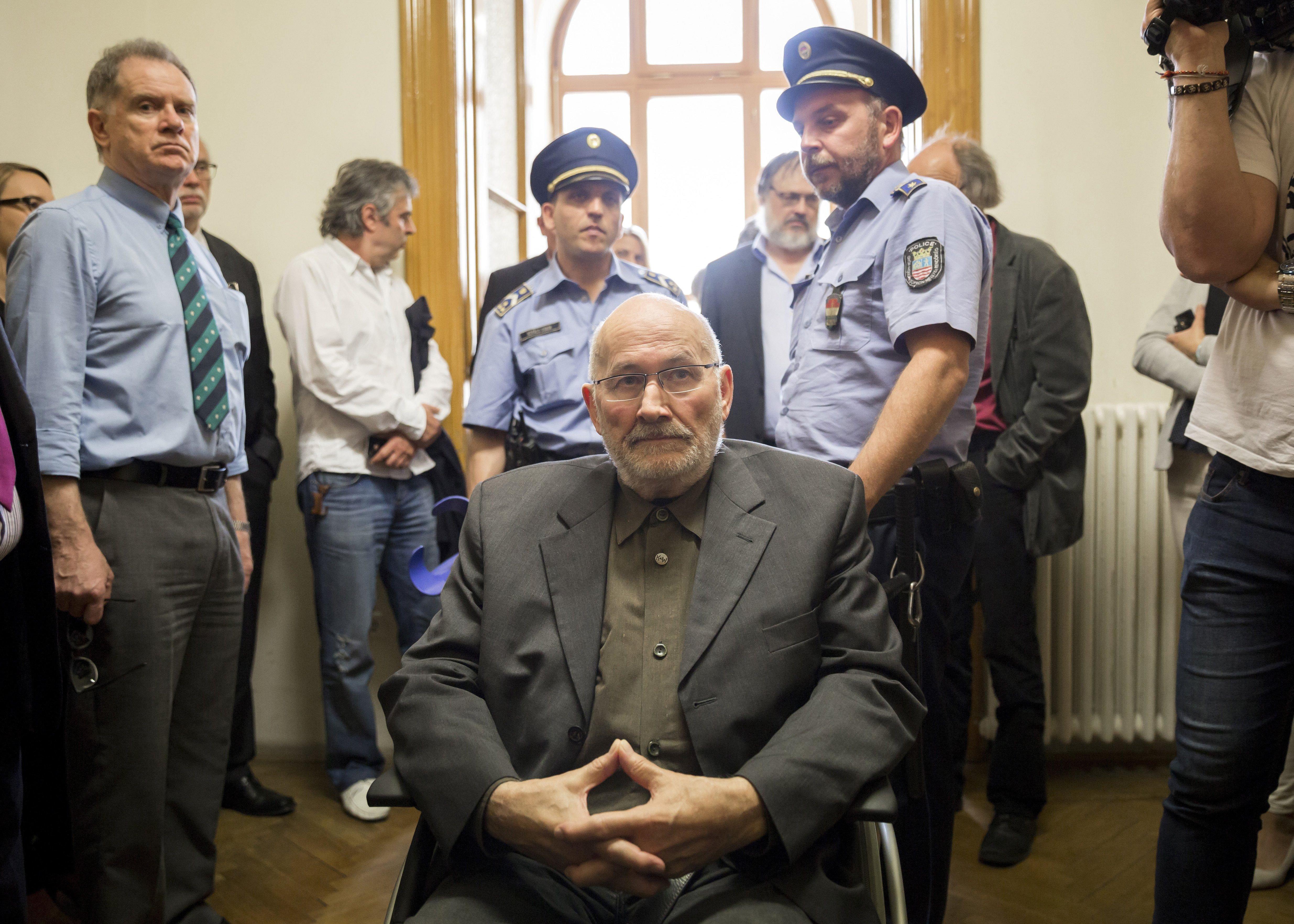 A rendőrség átadta Horst Mahlert a németeknek