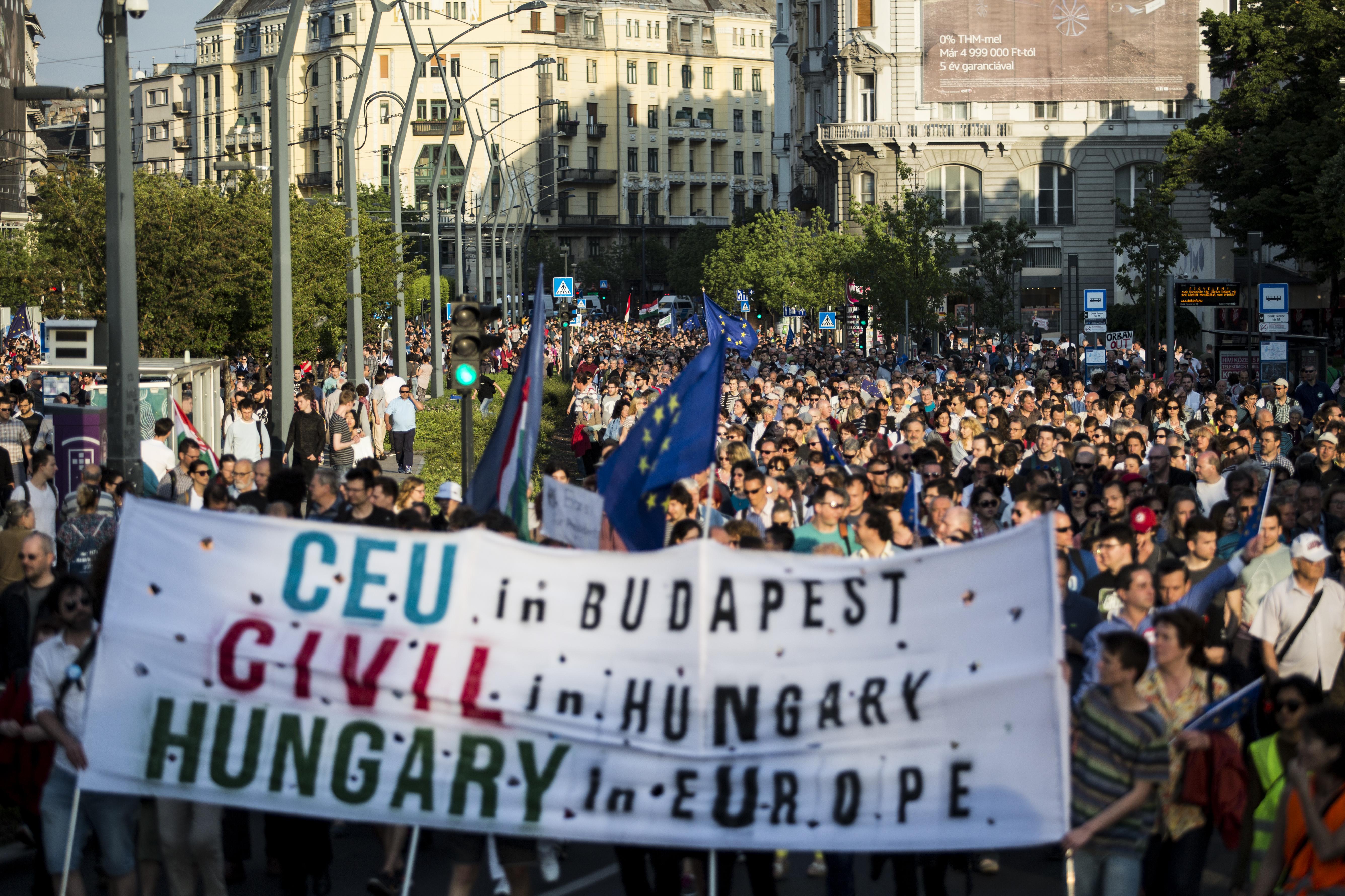 A kormány már azzal támadja a CEU-t, hogy túl sok kutatási pénzt hoztak Magyarországra