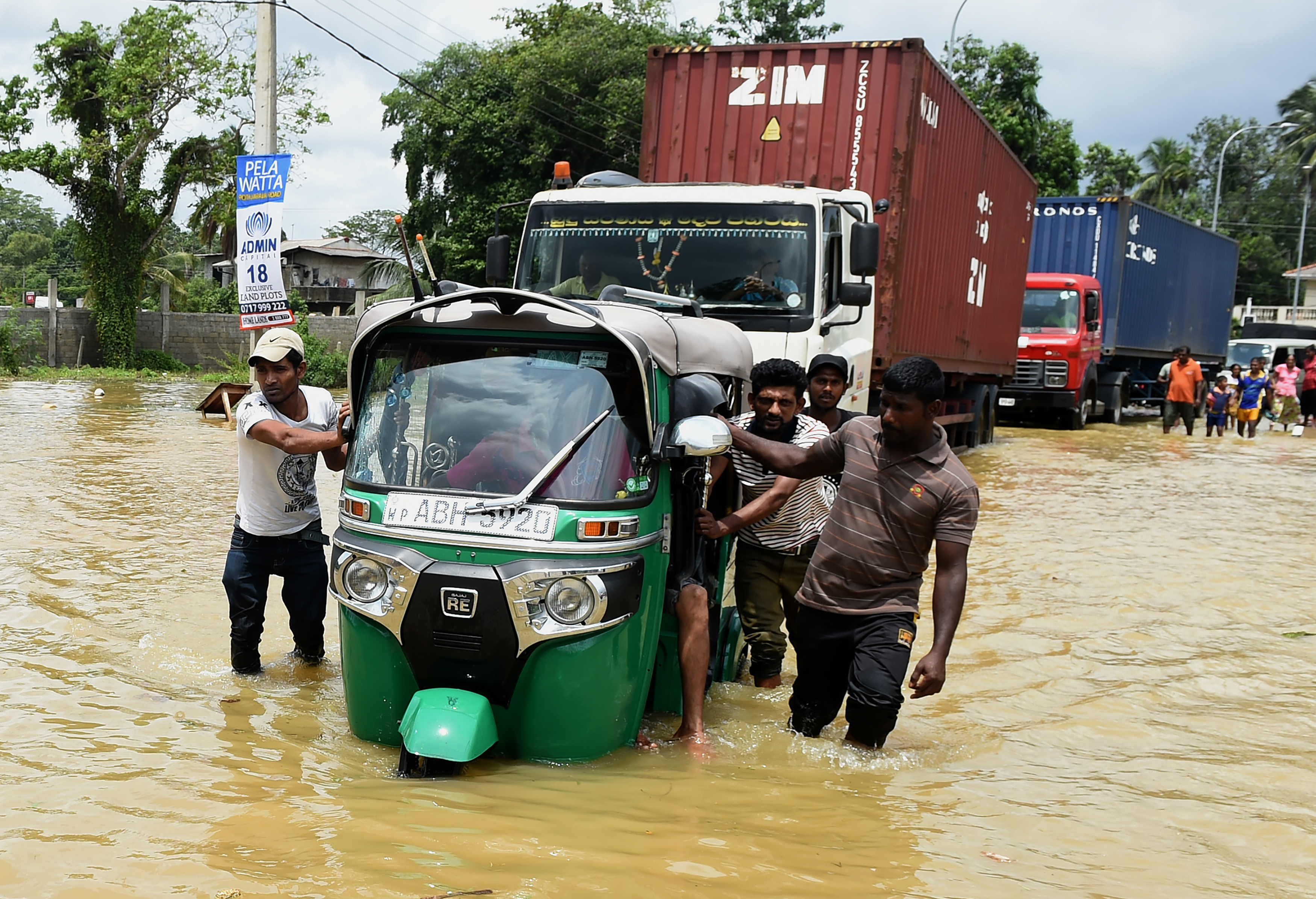 A kormány 47 milliárdos keretösszegű segélyhitelt ajánl Srí Lankának