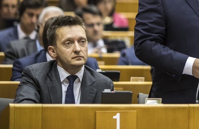 Megkérdezték Rogánt, mennyit költött a kormány a Soros-ellenes kampányra. A válasz: Soros