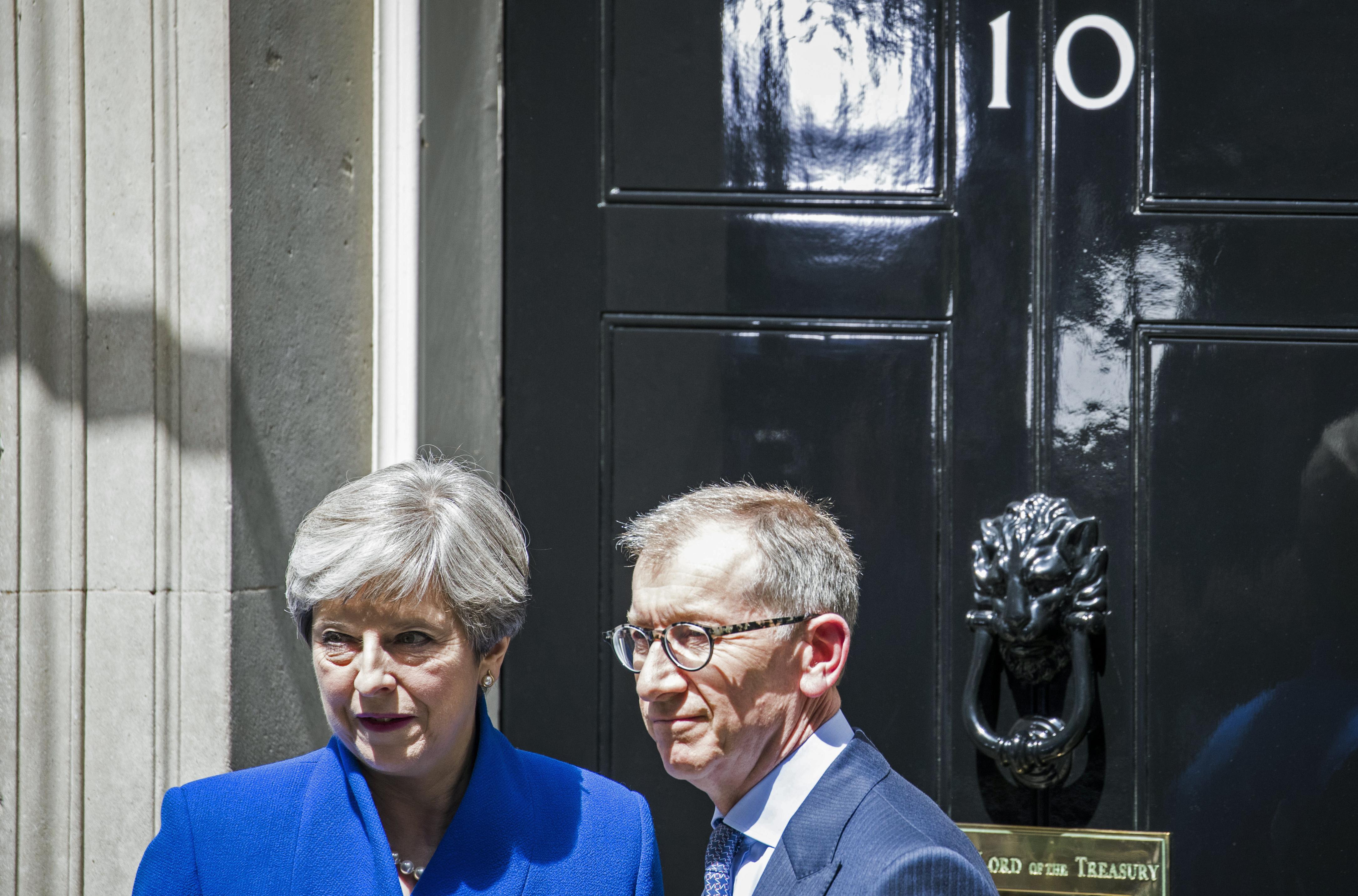 Theresa May bejelentette, hogy ő alakít kormányt