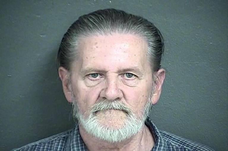 Azért ment bankot rabolni, hogy a felesége elől a börtönbe kerüljön