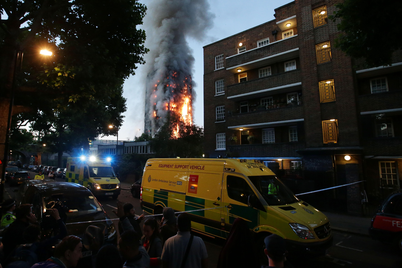 Már 17 halottja van a londoni toronytűznek