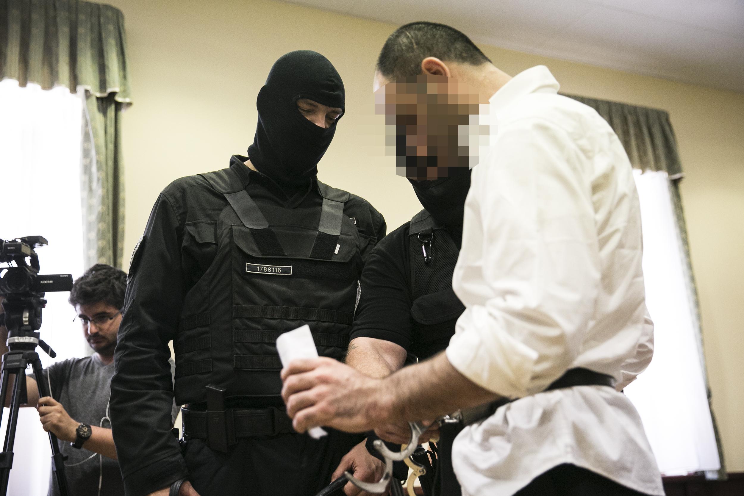 Hatályon kívül helyezték a terrorizmusról szóló ítéletet a röszkei zavargás miatt vádolt Ahmed H. ügyében