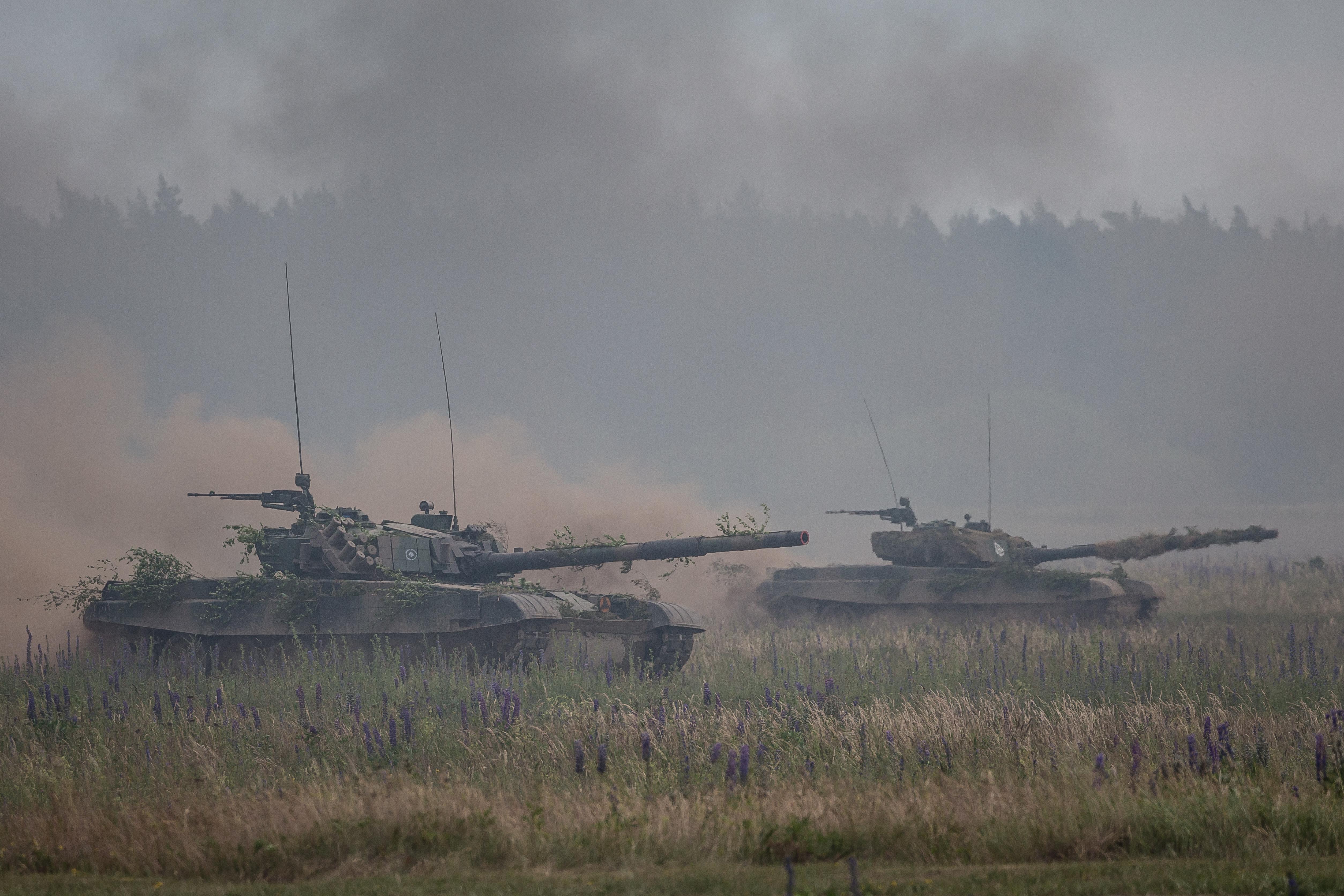 Orosz támadás elleni hadműveleteket gyakorolt a NATO a lengyel-litván határon