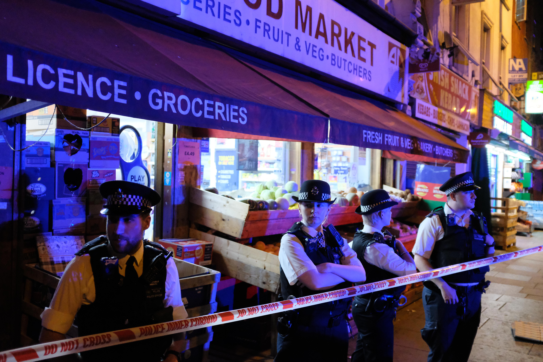 Egy 47 éves, négygyerekes apuka a londoni merénylő, aki direkt hajtott muszlimok közé