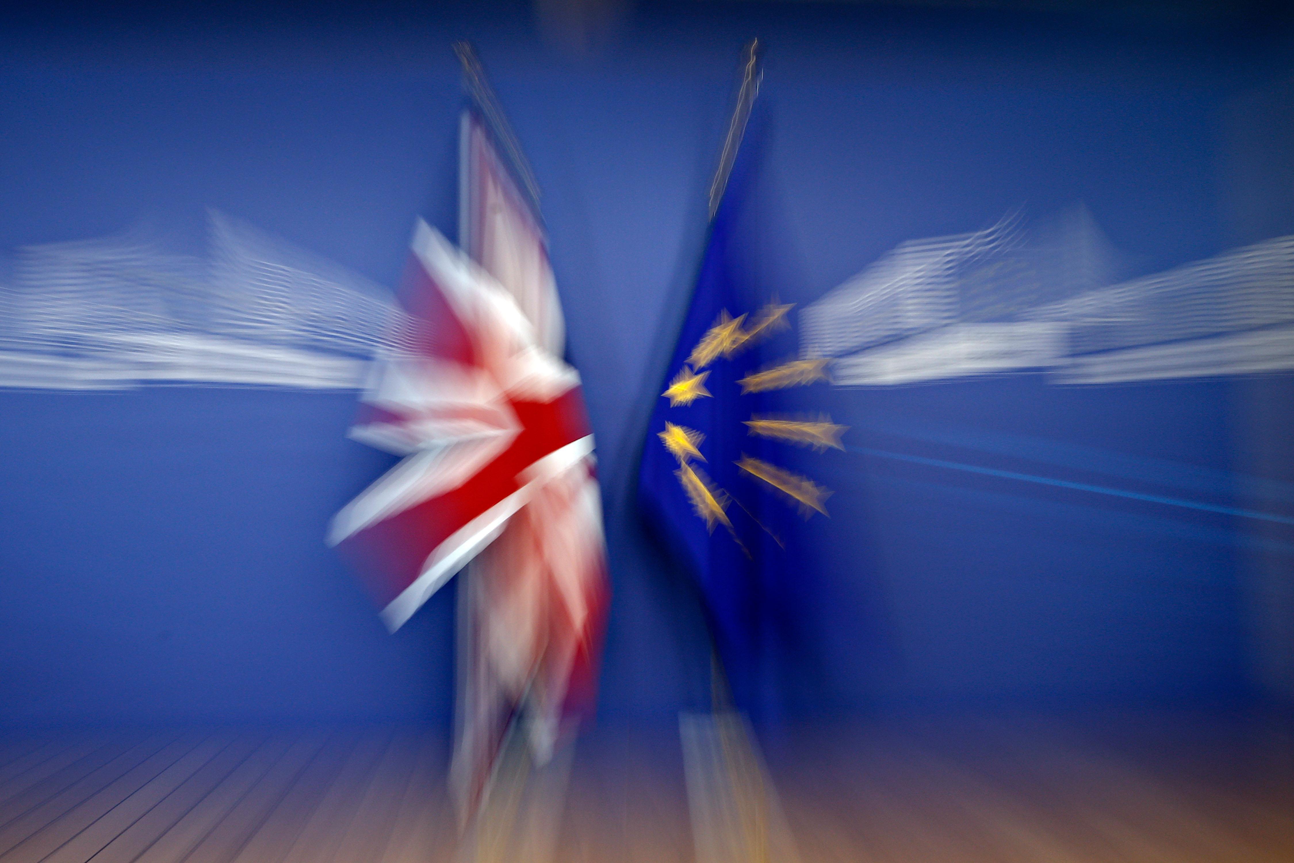 Brexit: Átmeneti vámuniót szeretnének a britek